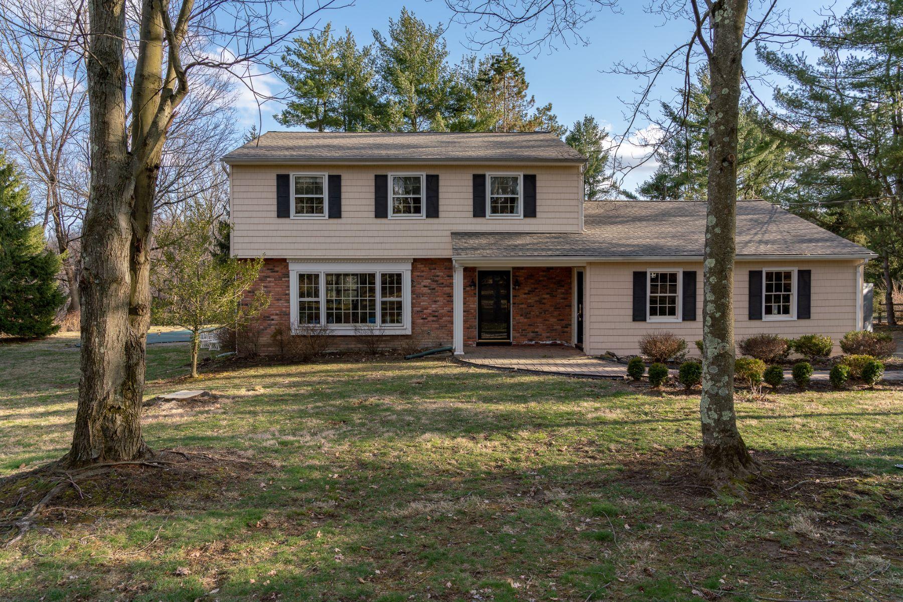 Nhà ở một gia đình vì Bán tại Classic Colonial 462 Route 24, Chester, New Jersey 07930 Hoa KỳTrong/Xung quanh: Chester Township
