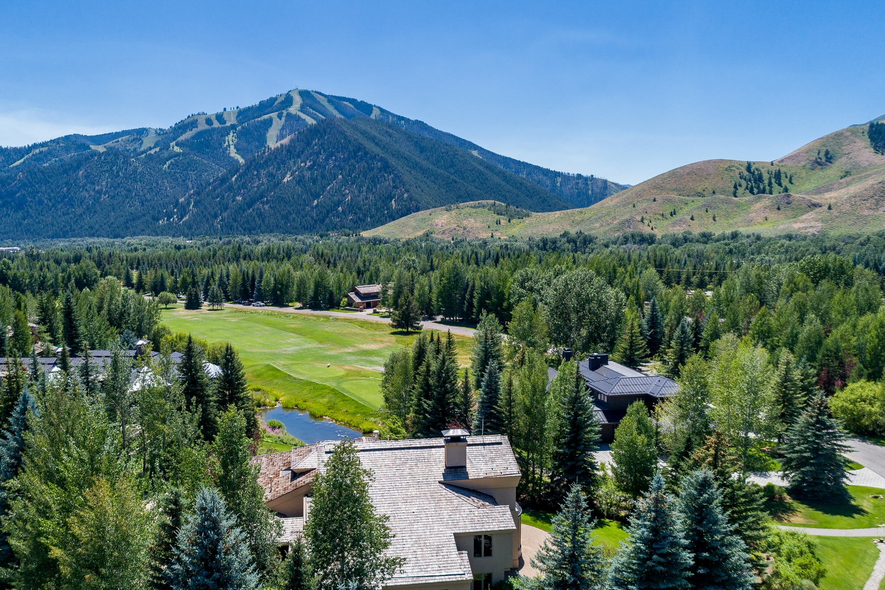 Additional photo for property listing at Barry Berkus Designed Home On Prime Bigwood Golf Course Property 195 S Bigwood Dr S Ketchum, Idaho 83340 États-Unis