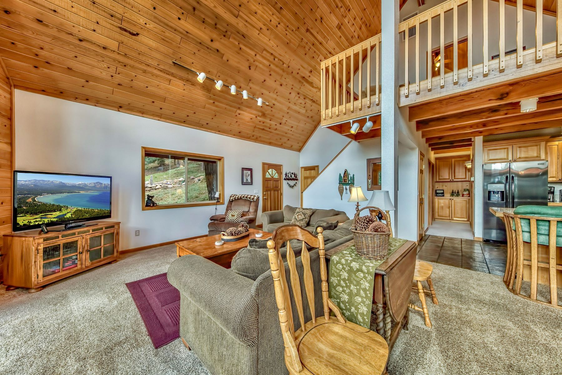 Additional photo for property listing at 11240 Skislope Way, Truckee, CA 11240 Skislope Way Truckee, California 96161 United States