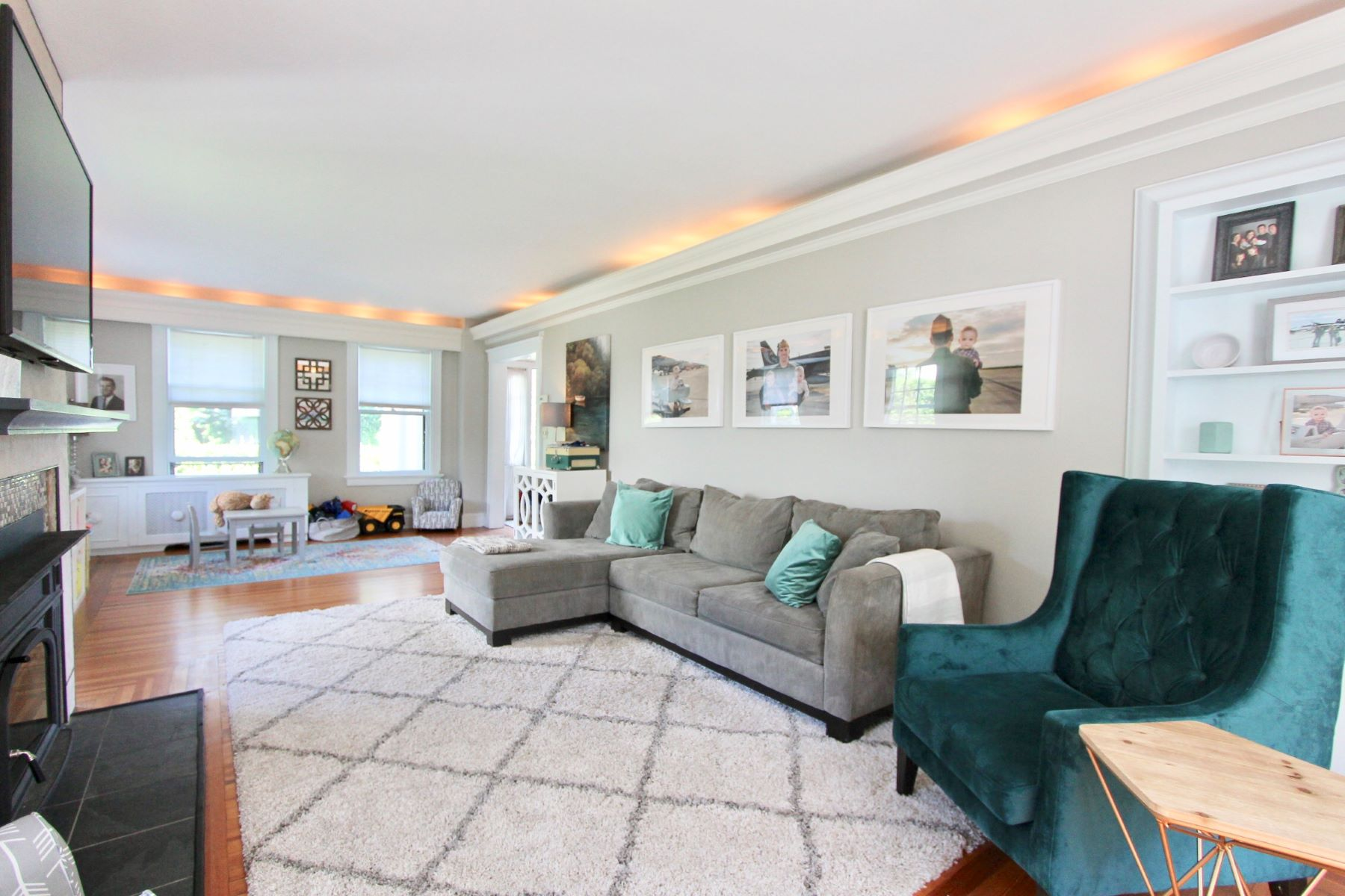 Additional photo for property listing at Colonial on Coveted Greenough 3 Greenough Place Newport, Rhode Island 02840 United States
