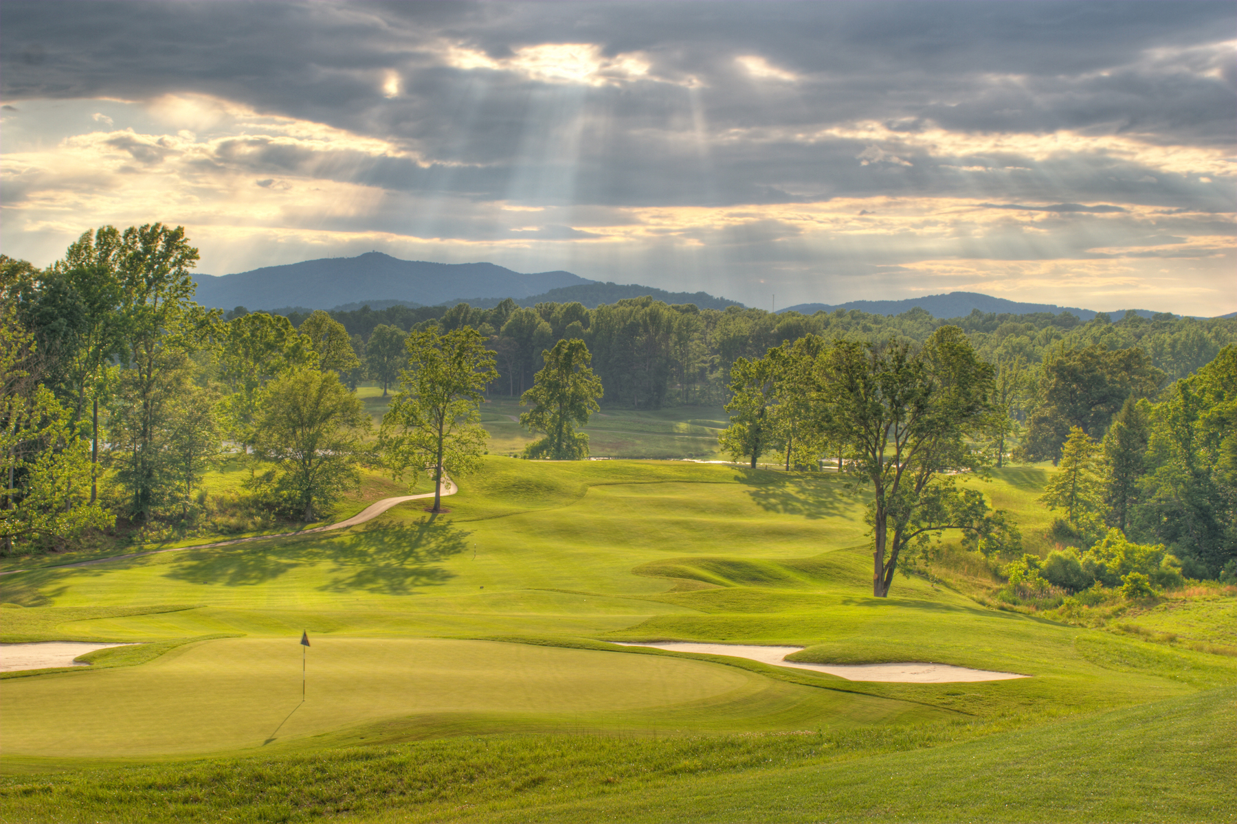 Property pour l Vente à Poplar Grove Golf Club 129 Tavern Lane Amherst, Virginia 24521 États-Unis