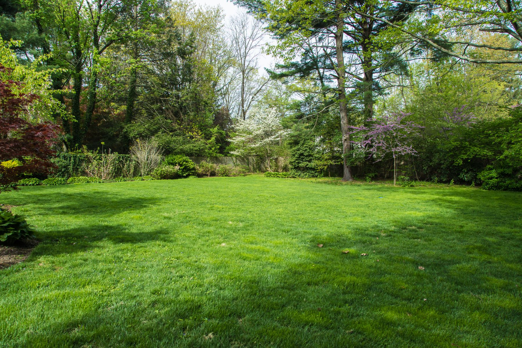 Additional photo for property listing at Littlebrook Cape, Filled with Space and Light 766 Princeton Kingston Road, Princeton, New Jersey 08540 Amerika Birleşik Devletleri