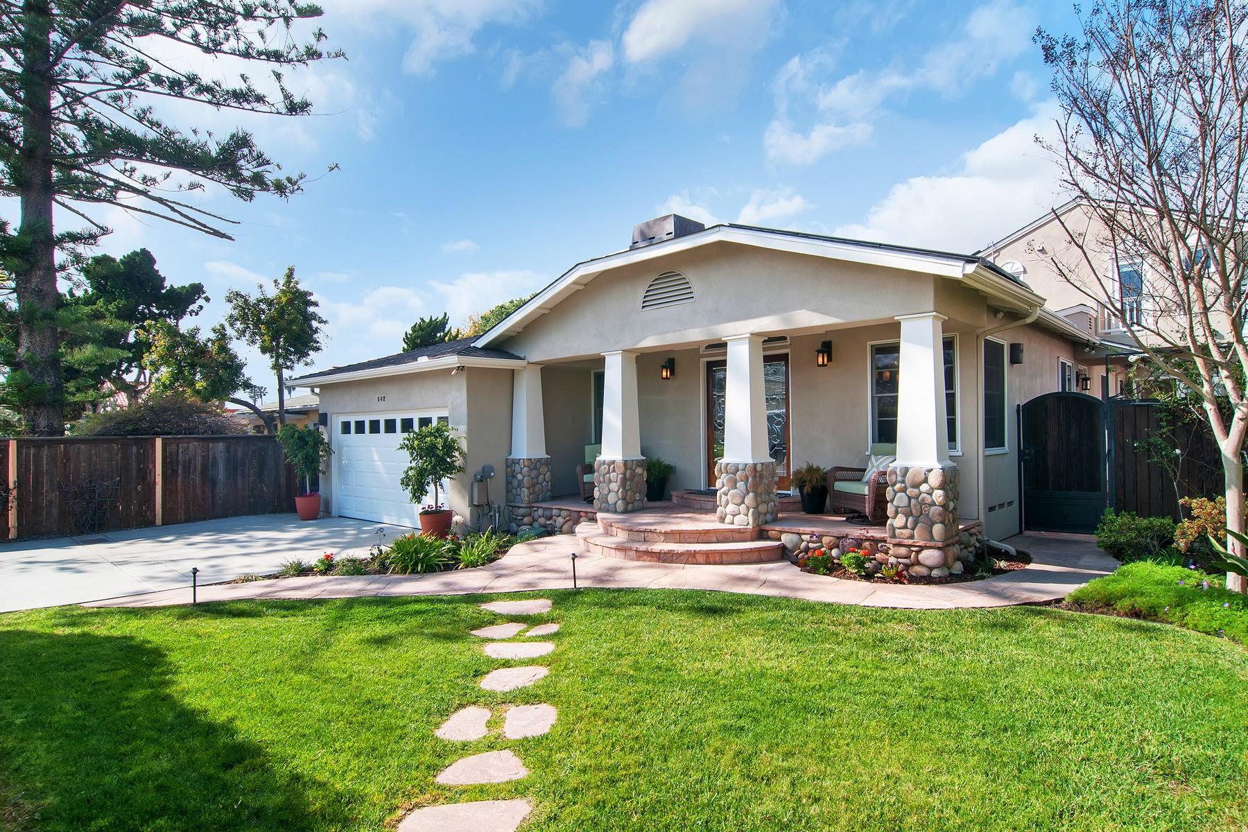 Casa Unifamiliar por un Venta en 542 Gravilla Street La Jolla, California, 92037 Estados Unidos