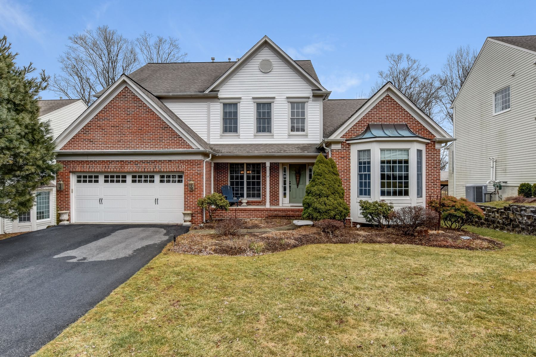 Single Family Home for Sale at Stunning Colonial 19 Wellington Drive, Basking Ridge, New Jersey 07920 United States