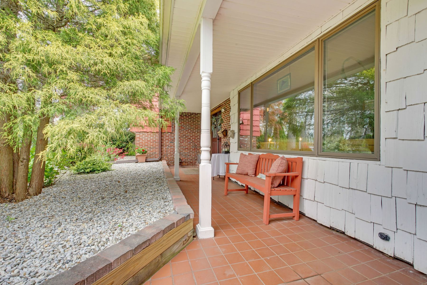 Additional photo for property listing at Updated Waterfront Home 490 Bella Vista Road, 布里克, 新泽西州 08724 美国