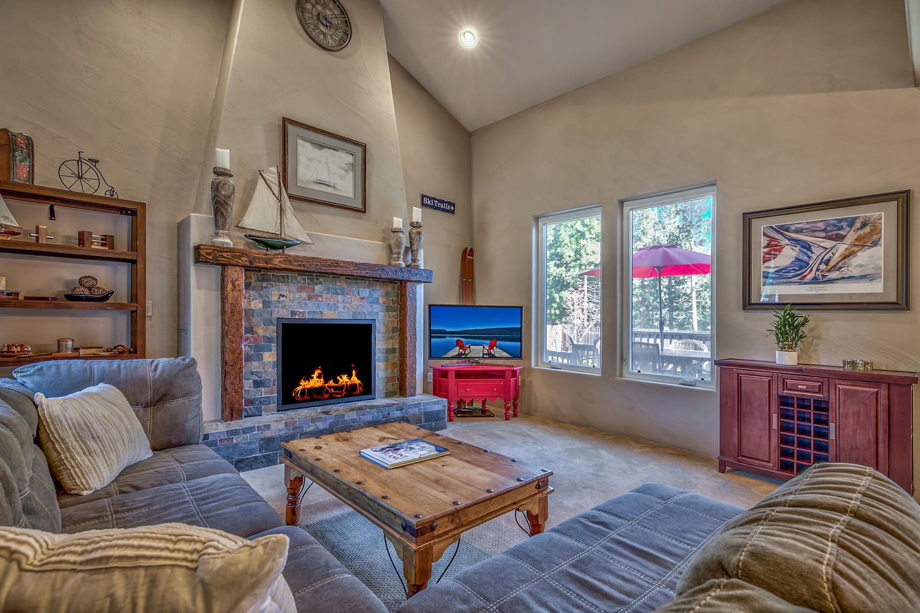 Additional photo for property listing at 1453 Mount Olympia Circle, South Lake Tahoe, CA, 96150 1453 Mount Olympia Cir South Lake Tahoe, California 96150 United States