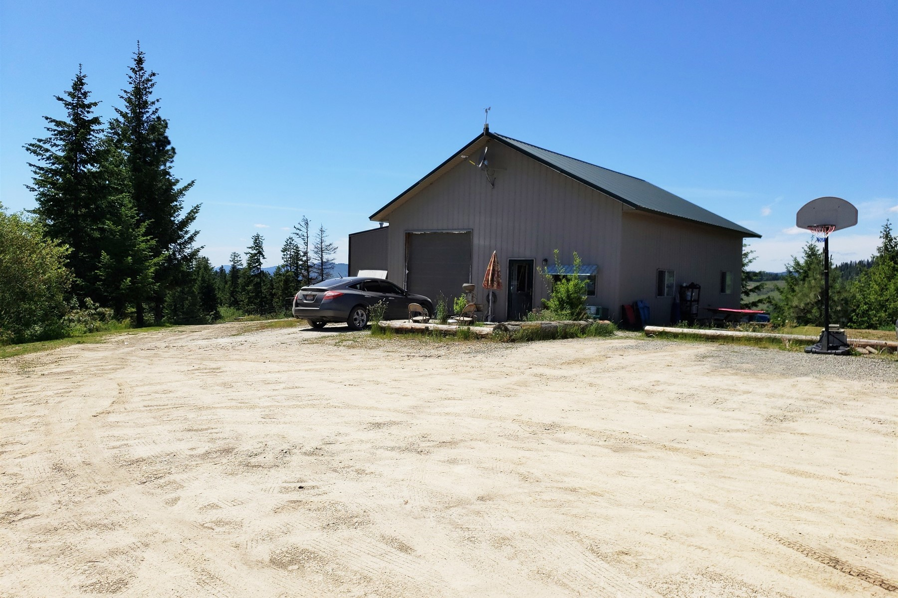 Single Family Homes for Active at Thyr Property 9948 S Hardy Creek Rd Cataldo, Idaho 83810 United States