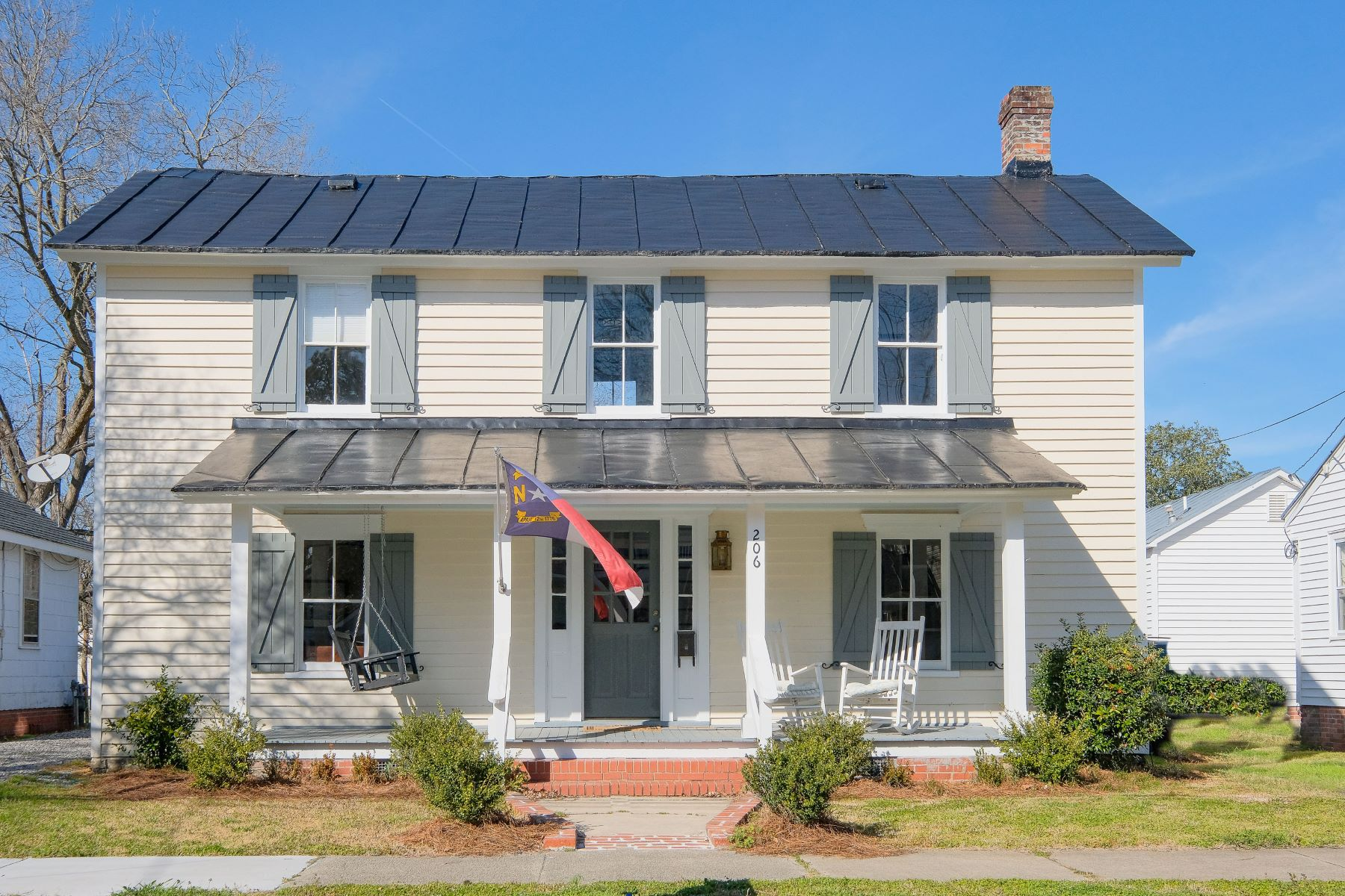 Single Family Homes for Sale at RESTORED DOWNTOWN FARMHOUSE 206 W Church St, Edenton, North Carolina 27932 United States