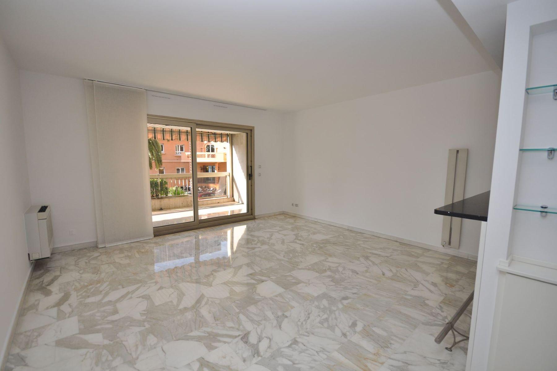 Appartement pour l à louer à 2 room flat to rent - Near Station, Port and Centre Monaco, La Condamine, 98000 Monaco