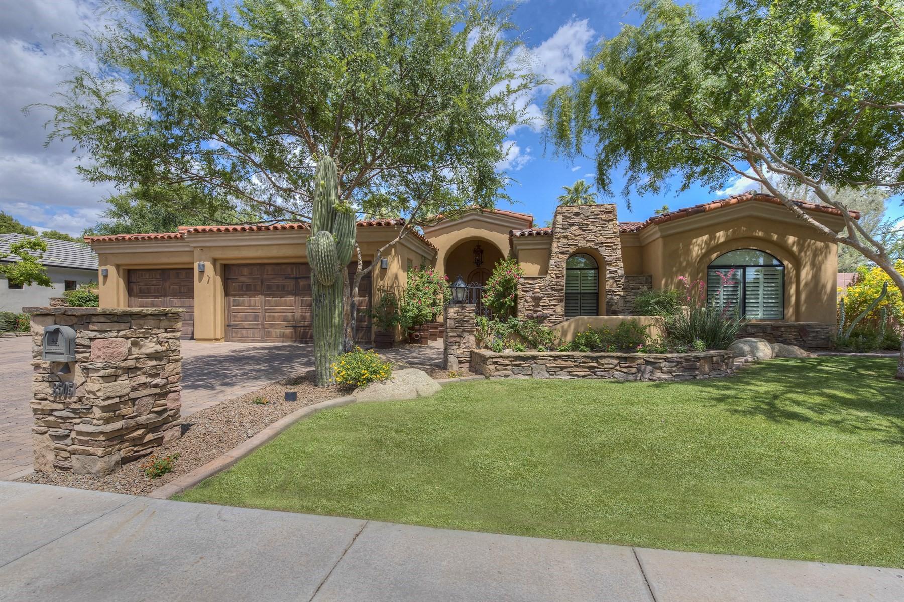 Casa Unifamiliar por un Venta en Beautiful single level home in North Central Royal Palm Area 8505 N 13th Ave Phoenix, Arizona, 85021 Estados Unidos