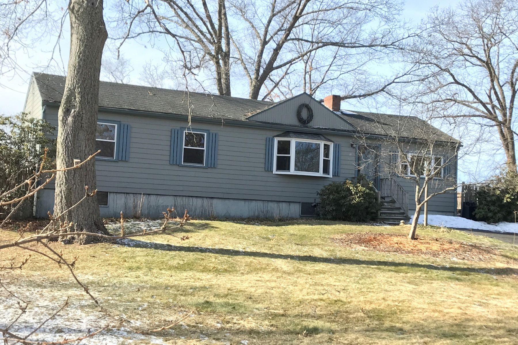 Single Family Home for Sale at 113 Peter Spring Road, Concord 113 Peter Spring Rd, Concord, Massachusetts, 01742 United States