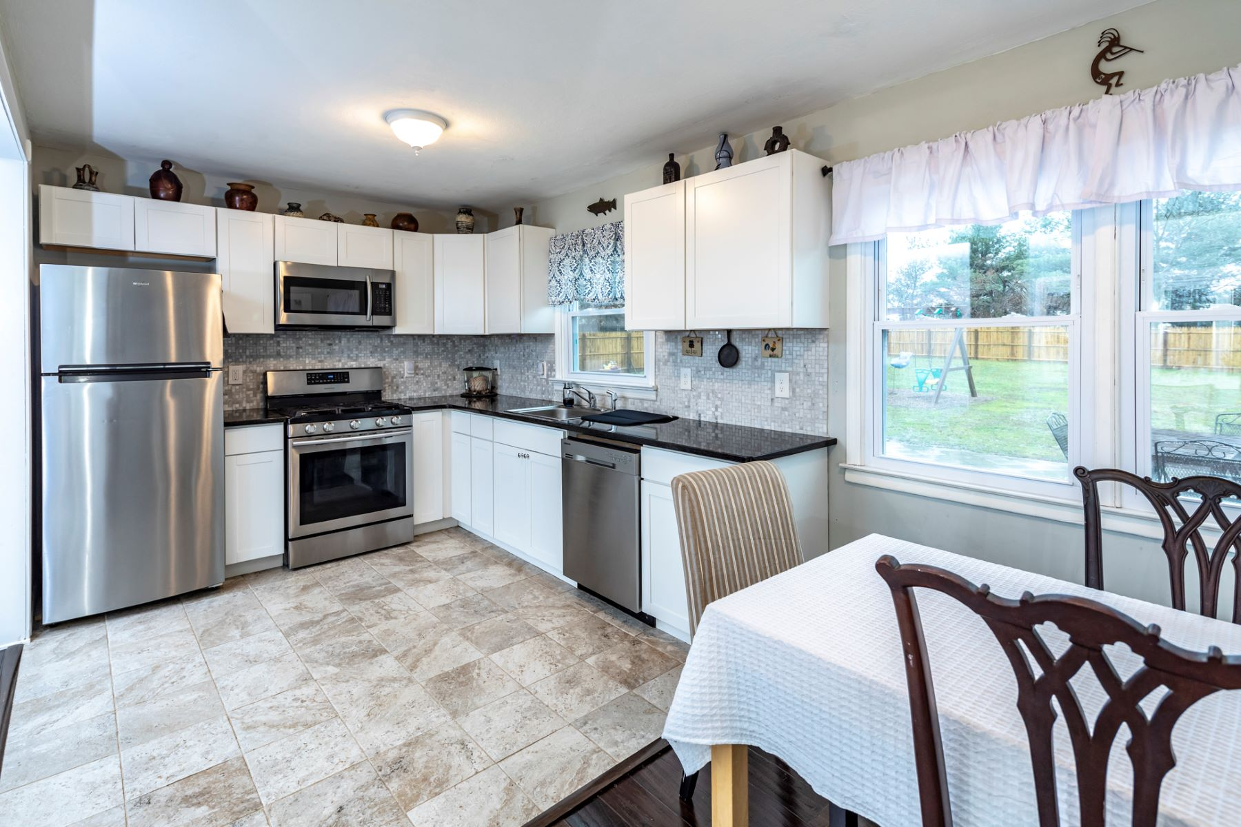 Additional photo for property listing at Style Is In View 13 Lynn Court, Hillsborough, New Jersey 08844 United States