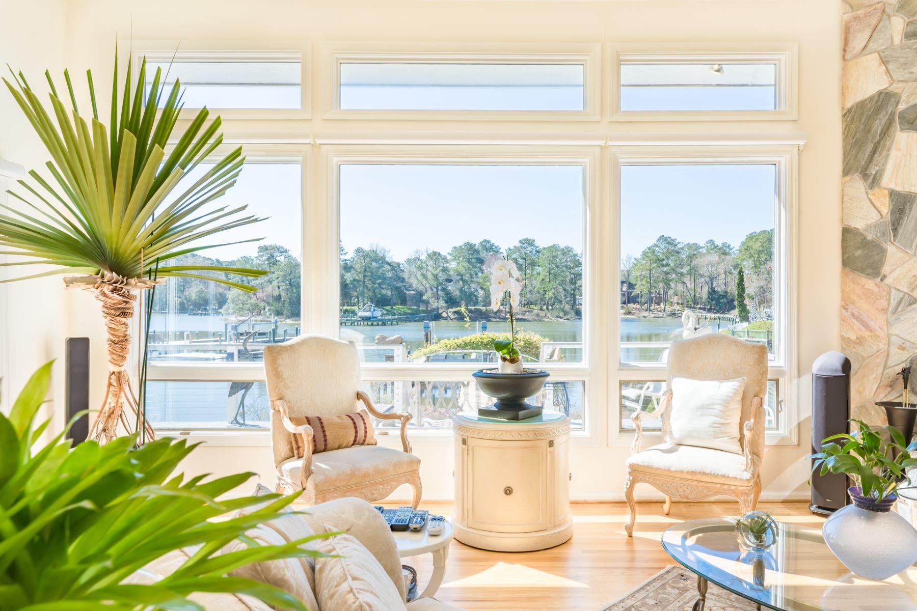single family homes pour l Vente à MIDDLE PLANTATION 913 Enfield Chase Virginia Beach, Virginia 23452 États-Unis