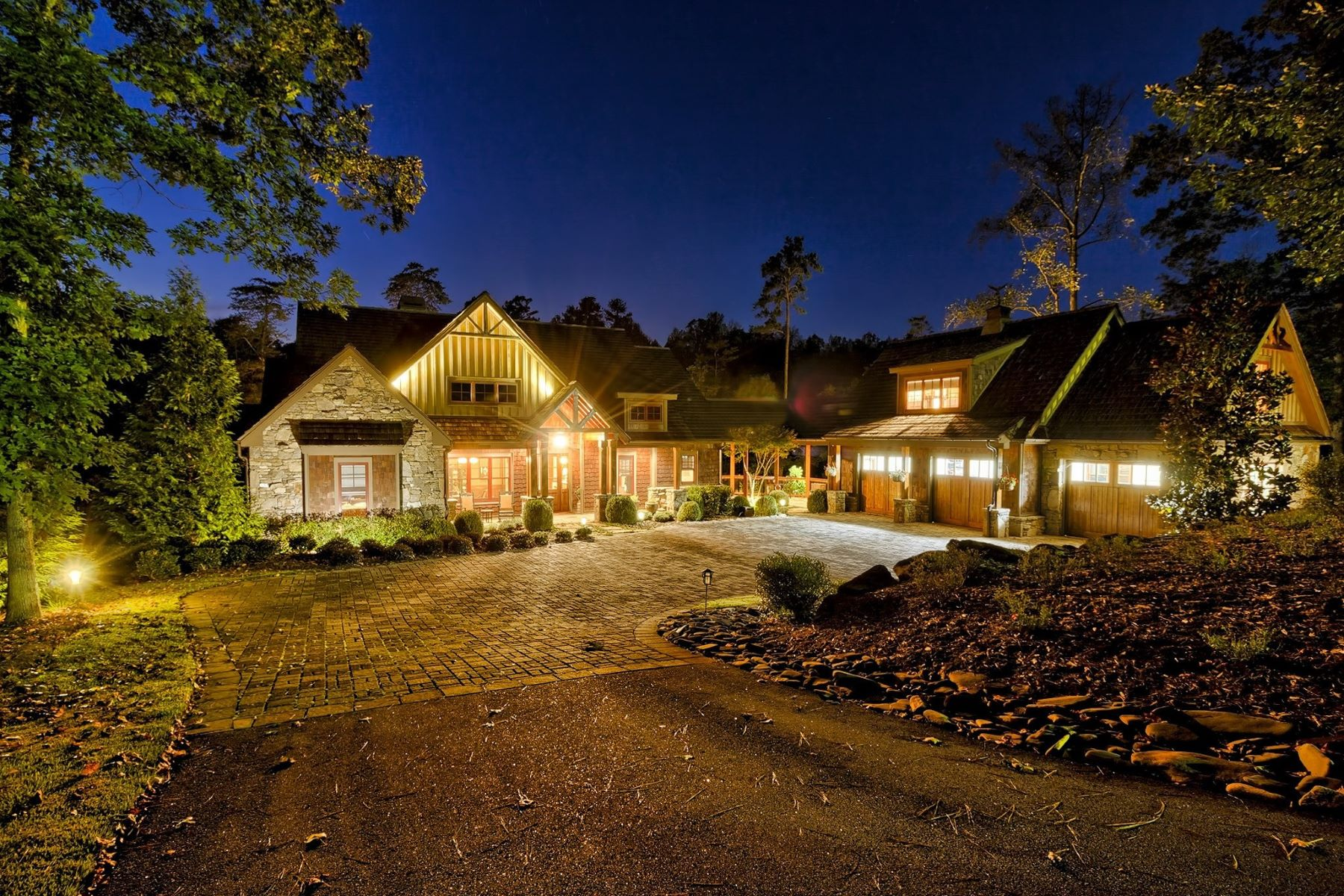 独户住宅 为 销售 在 Resort-Style Lake Home 308 Crooked Rock Ln, The Reserve At Lake Keowee, Sunset, 南卡罗来纳州, 29685 美国