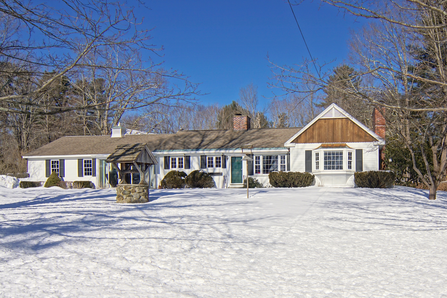 Single Family Home for Sale at Enjoy Country Living Lifestyle on Historic Main Street in Newfields 58 Main Street Newfields, New Hampshire 03856 United States