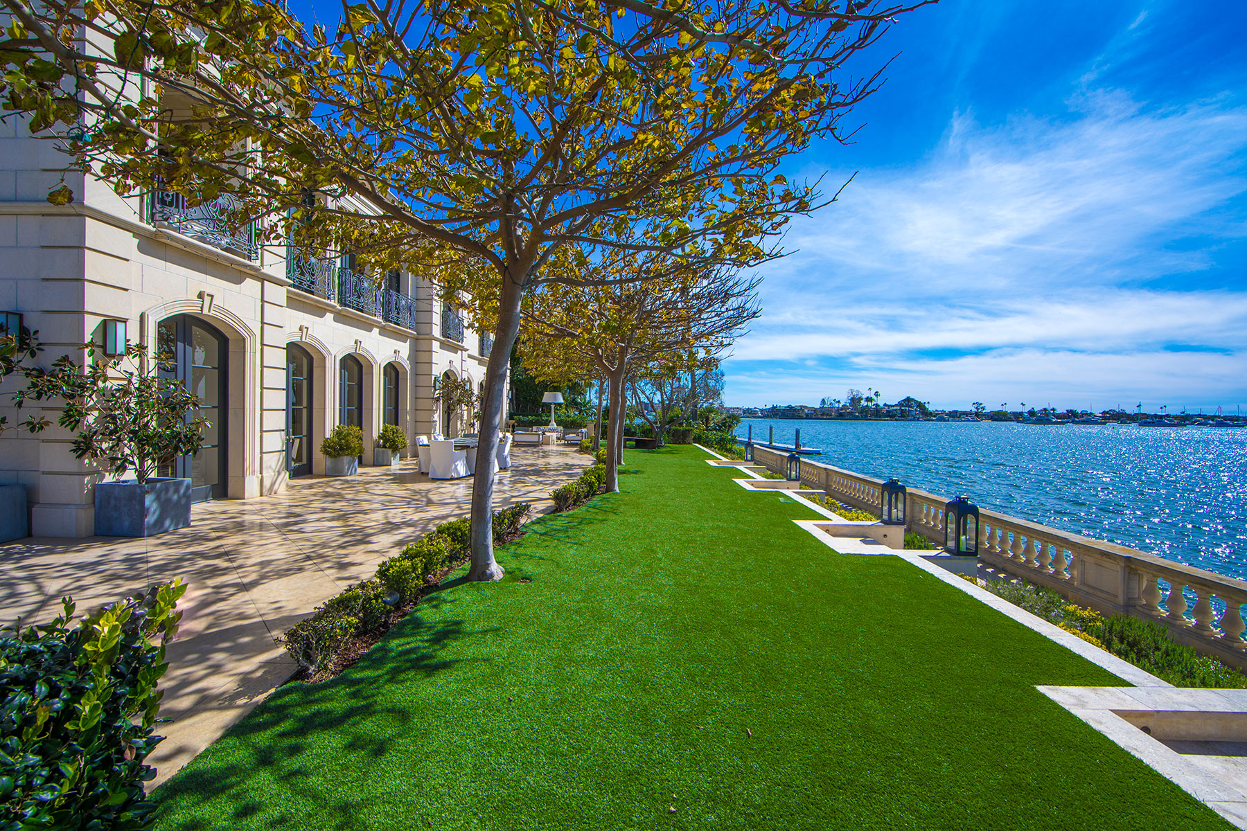 Single Family Home for Active at 18 Harbor Island 18 Harbor Island Newport Beach, California 92660 United States