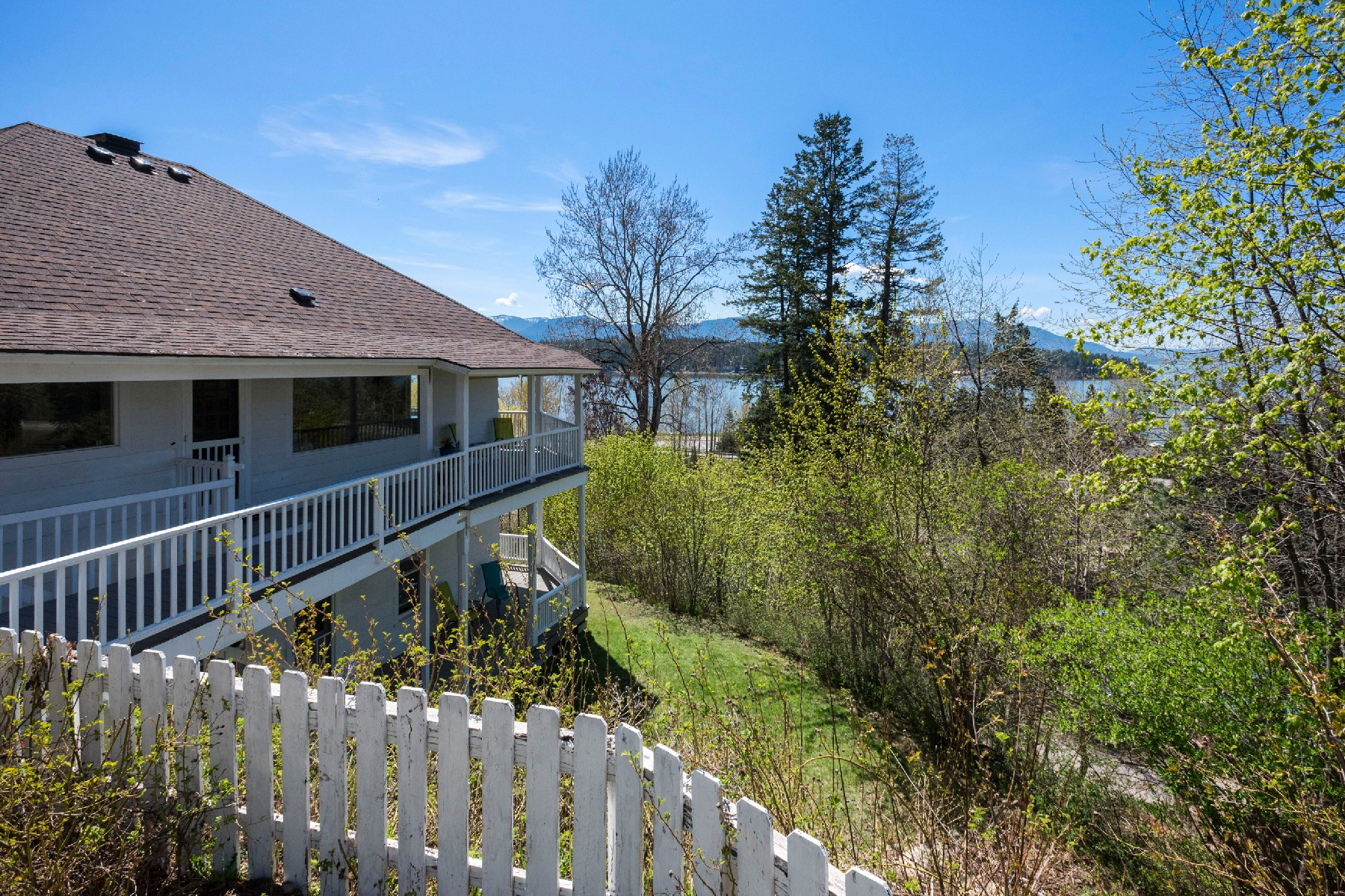 Single Family Home for Active at Amazing View Home in Hope 516 Big Hill Road Hope, Idaho 83836 United States