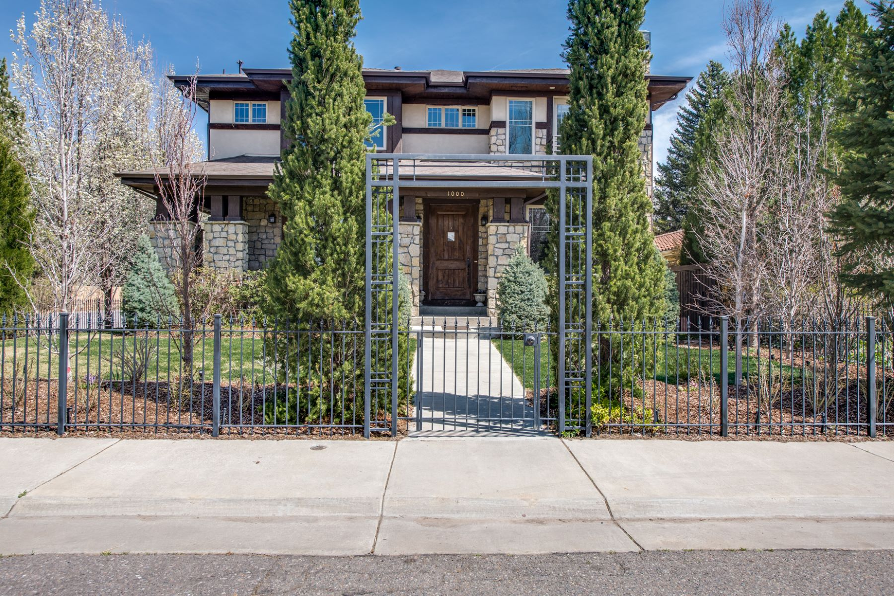 Single Family Home for Active at 1000 South Cook Street 1000 S Cook St Denver, Colorado 80209 United States