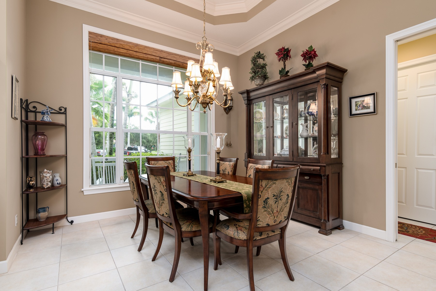 Additional photo for property listing at Beautiful Four Bedroom Pool Home 1185 Ansley Avenue SW Vero Beach, Florida 32968 United States