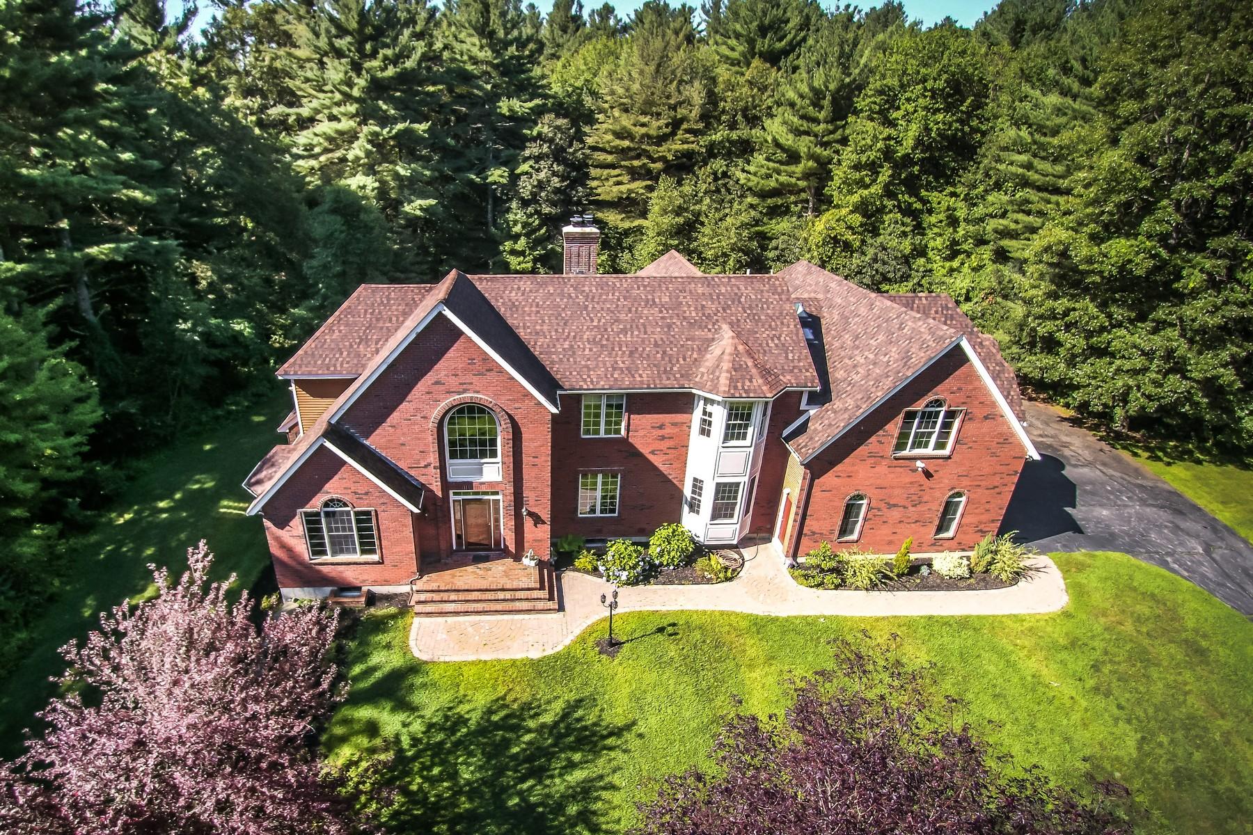 Vivienda unifamiliar por un Venta en Stately Colonial 261 Green St Northborough, Massachusetts, 01516 Estados Unidos