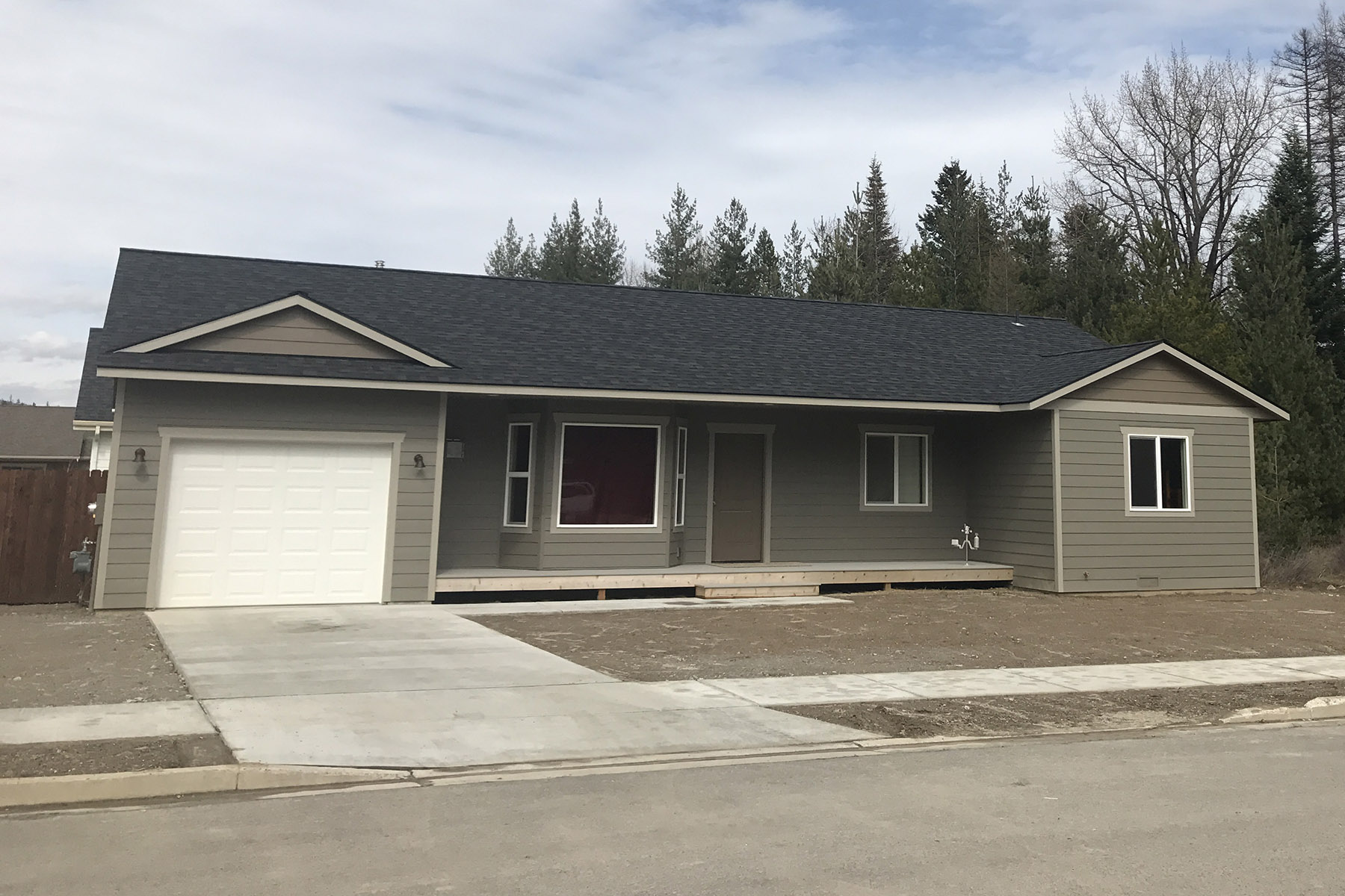 Single Family Home for Sale at Brand new one level home in Sandpoint 310 Ashlin Ct Sandpoint, Idaho, 83864 United States