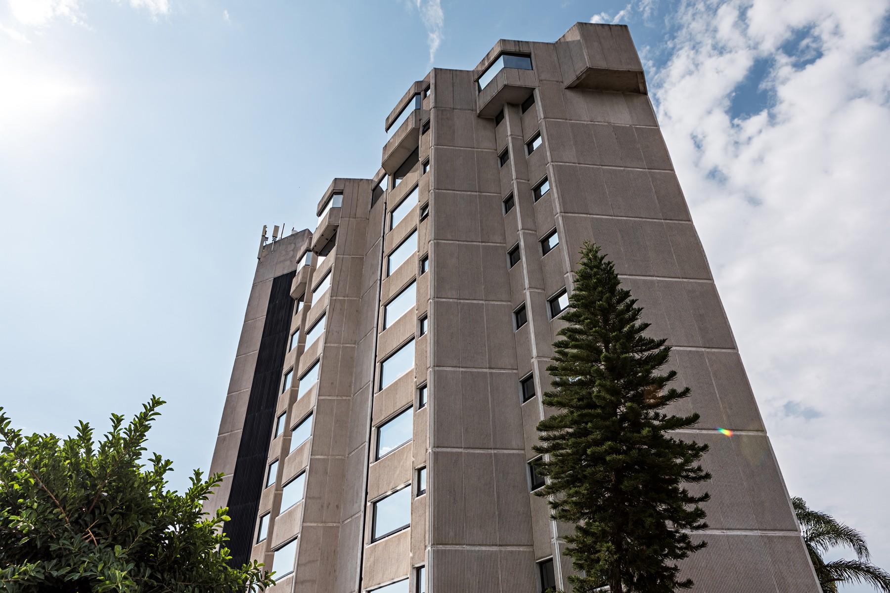 Apartment for Sale at Departamento de Lujo, Paseo del Edén, Colinas de San Javier, Zapopan Paseo del Edén 2449 Guadalajara, 44660 Mexico
