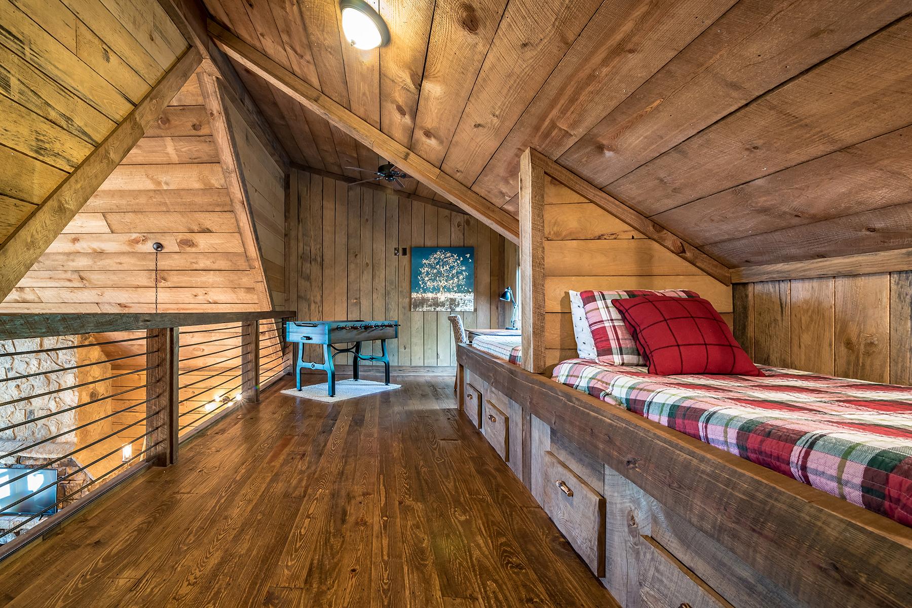 Additional photo for property listing at Stunning Blue Ridge Getaway 57 High Country Ln Morganton, Georgia 30560 United States