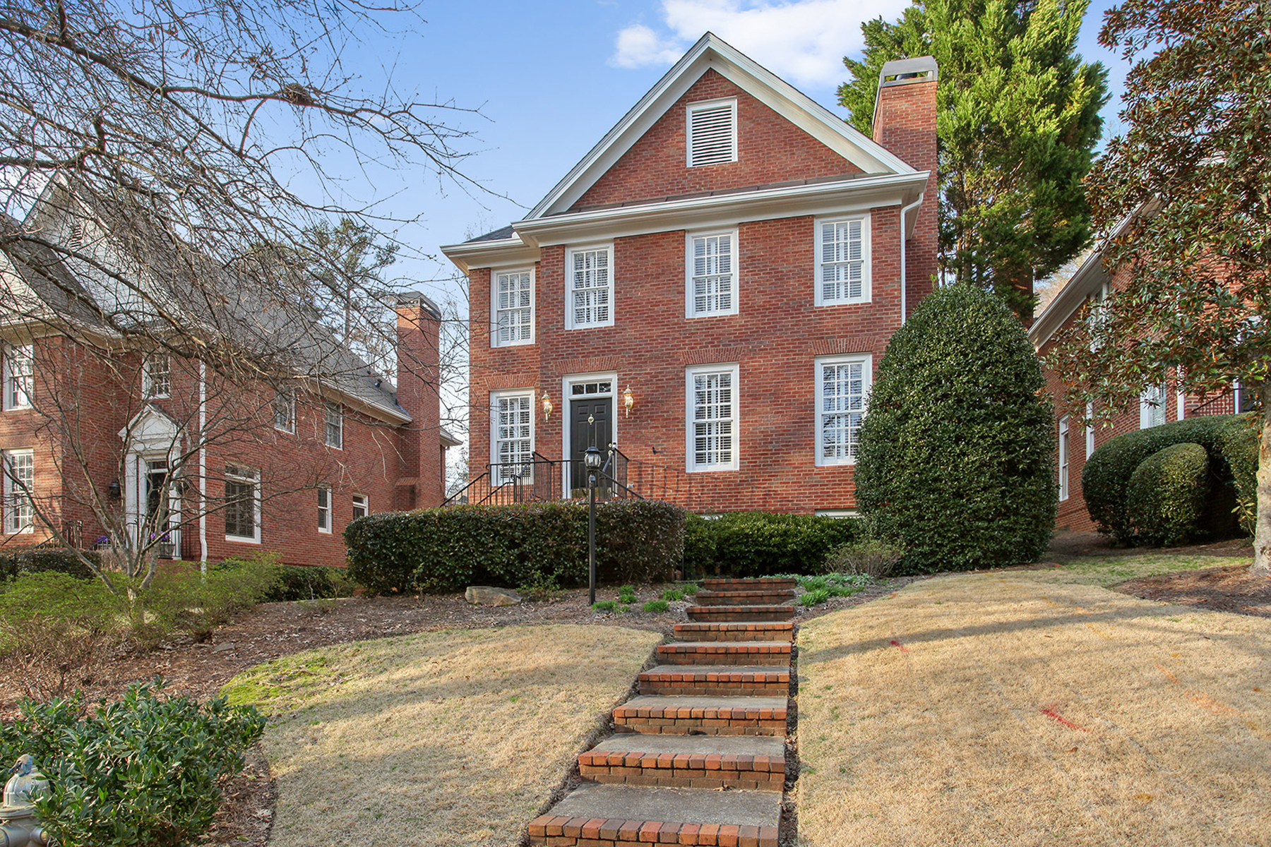 Single Family Home for Rent at Detached Townhome With Courtyard For Rent In Historic Brookhaven 1131 Brookhaven Court Brookhaven, Georgia 30319 United States