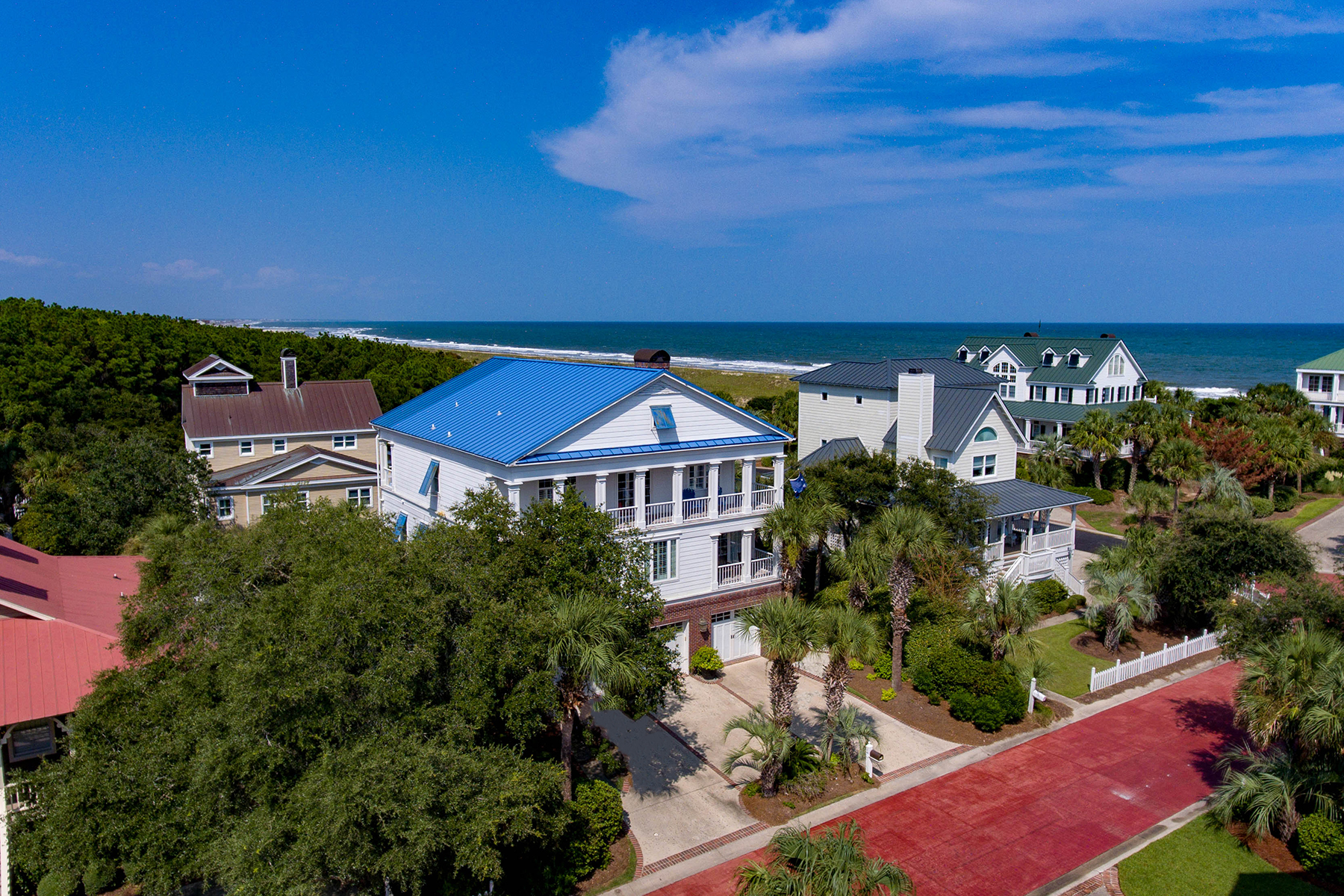 Single Family Homes for Active at 26 Beachwalker Court Georgetown, South Carolina 29585 United States