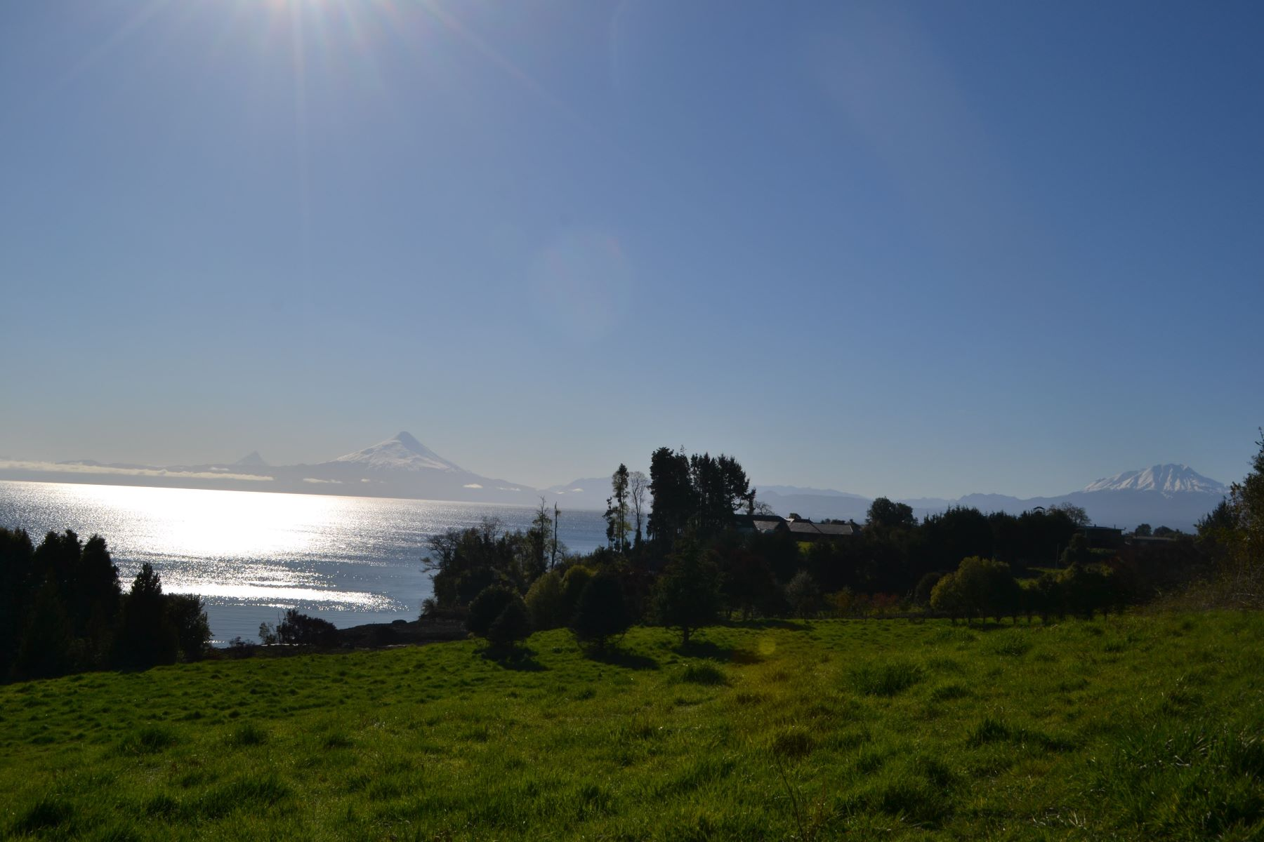 Terreno per Vendita alle ore Unique and exclusive urbinized plot lakeside Llanquihue. Other Los Lagos, Los Lagos, Cile