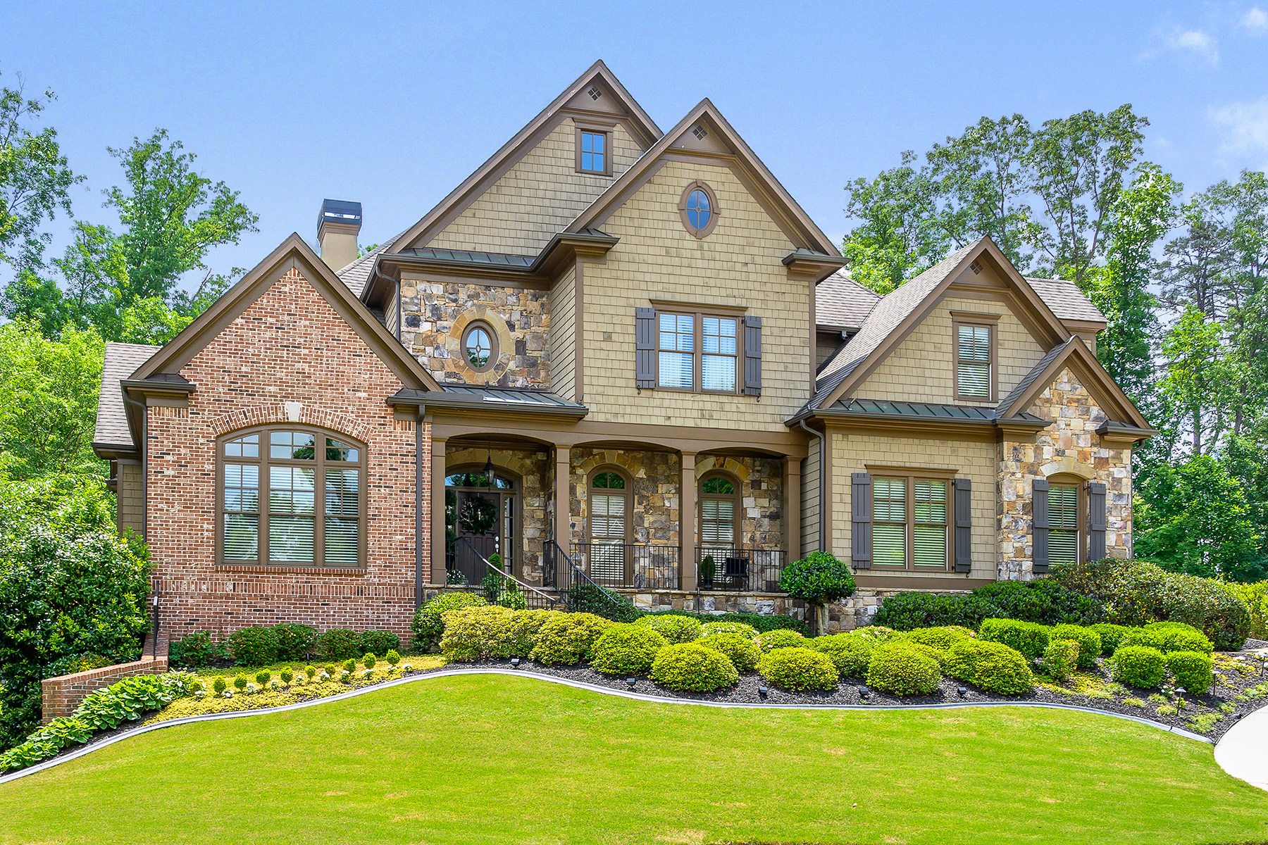 Single Family Homes 용 매매 에 Classic Elegance with Golf Course Views 2119 Tayside Crossing NW, Kennesaw, 조지아 30152 미국
