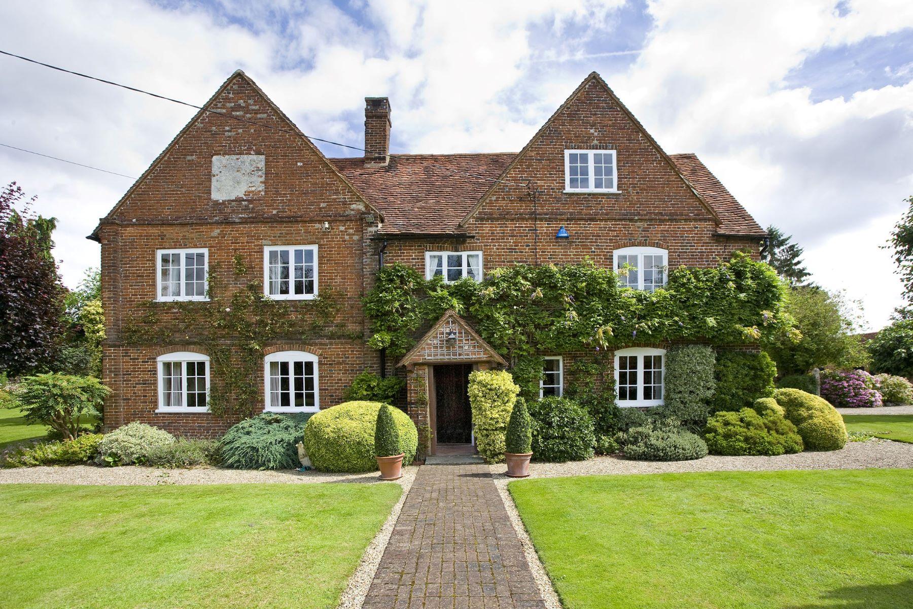 Casa para uma família para Venda às Malthouse Farm Woking, Inglaterra, Reino Unido