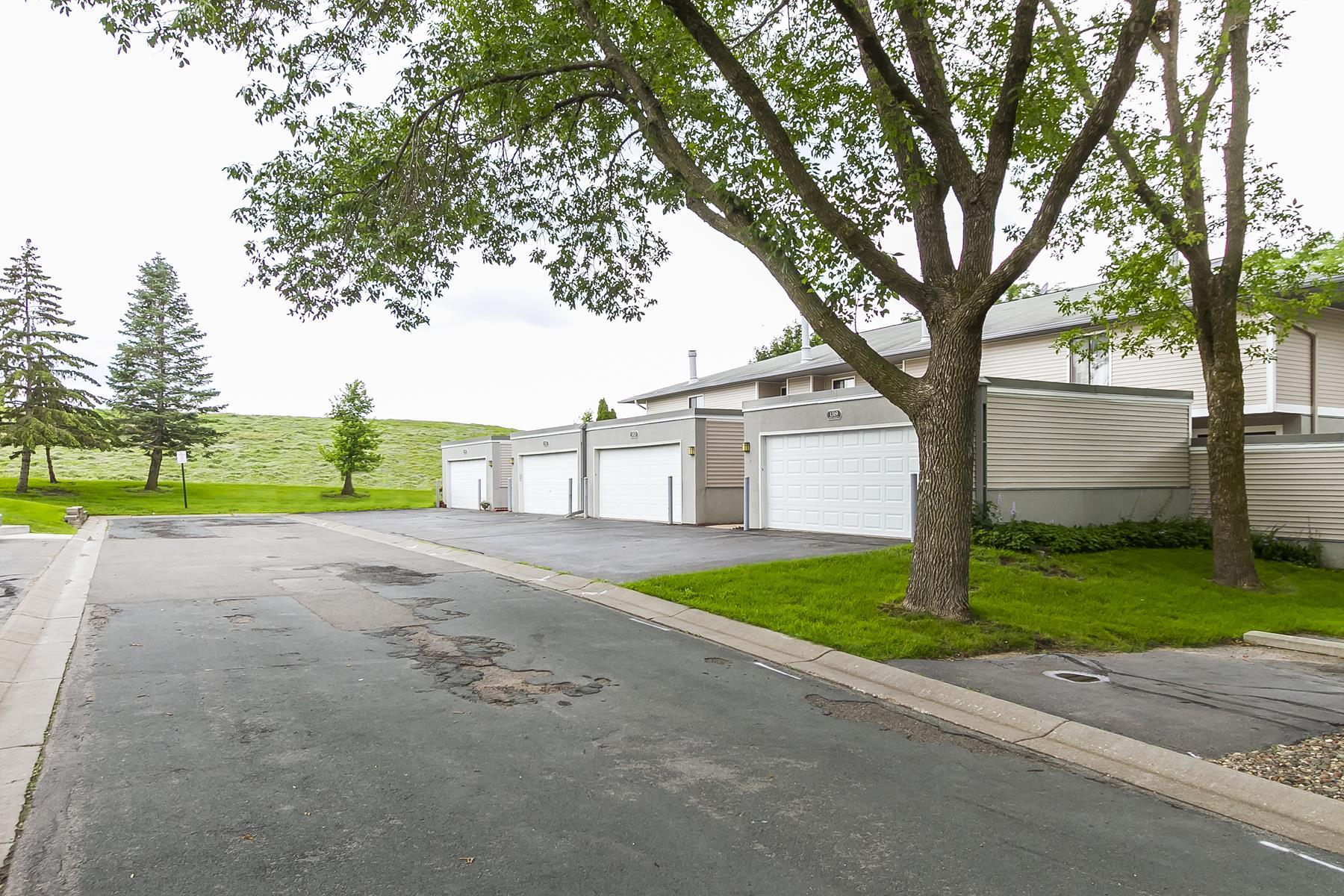 townhouses للـ Sale في Hopkins, Minnesota 55343 United States