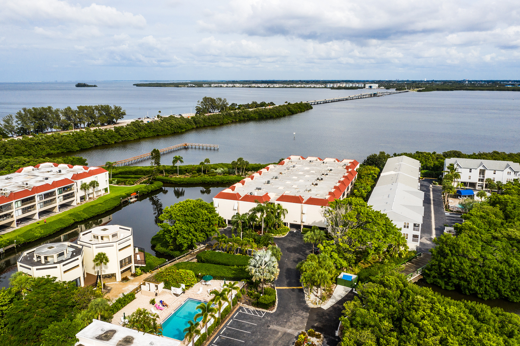 Single Family Homes for Sale at SUNBOW BAY 3705 E Bay Dr , 115, Holmes Beach, Florida 34217 United States