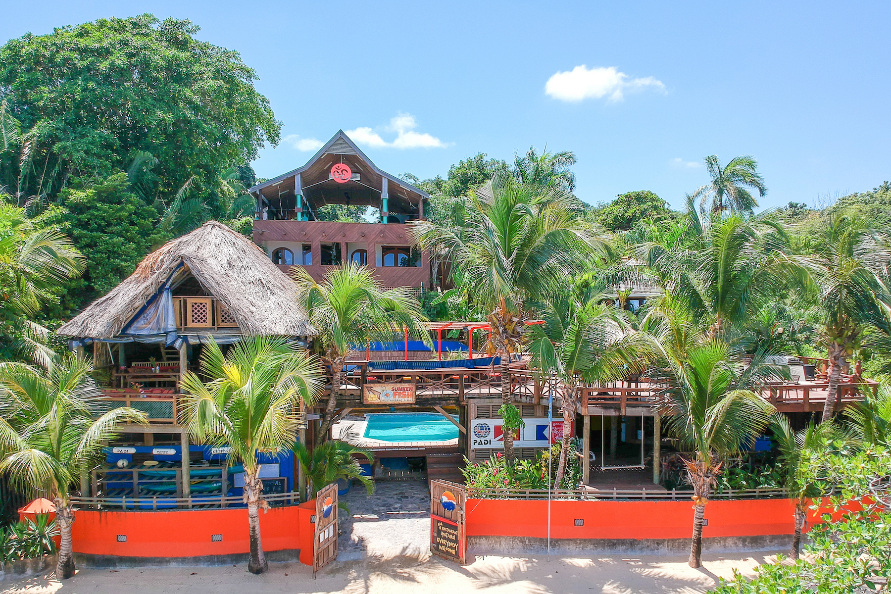 Casa Multifamiliar por un Venta en Tranquilseas Eco Lodge Tranquilseas Eco Lodge Sandy Bay, Roatan, Bay Islands, 34101 Honduras