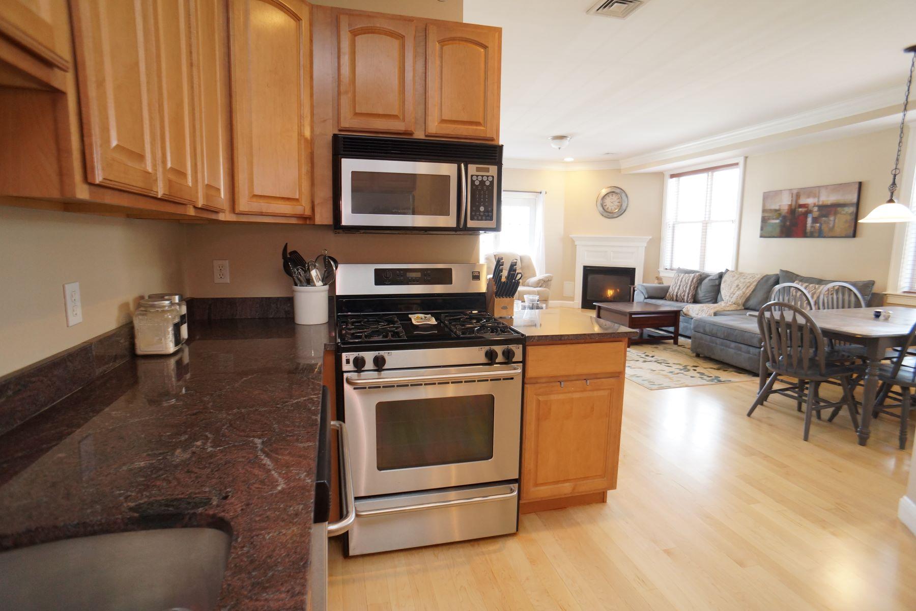 Condominio per Vendita alle ore 8 Howell St. 3, Boston 8 Howell St #3 Boston, Massachusetts, 02125 Stati Uniti