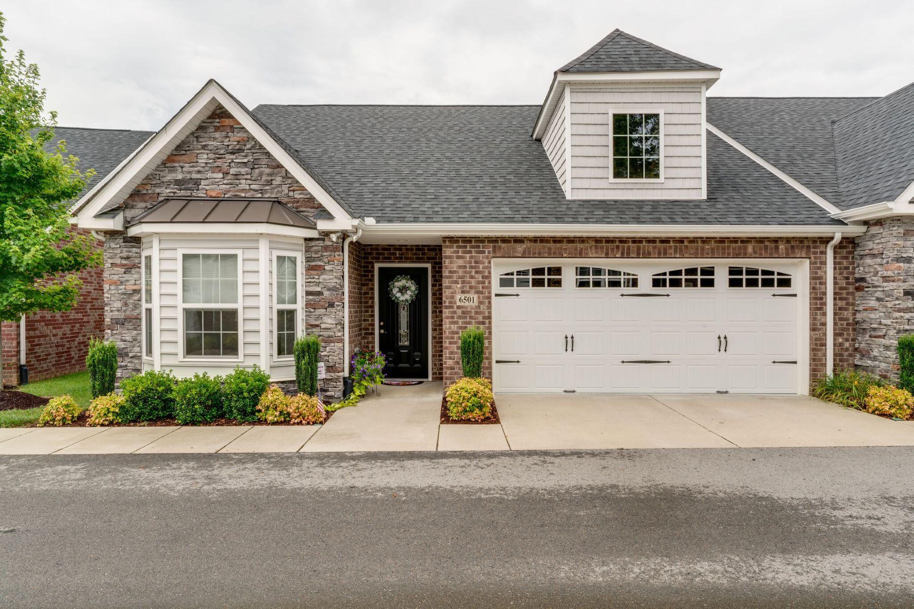Single Family Homes para Venda às Easy Living at Lenox Place! 395 Devon Chase Hill, #6501, Gallatin, Tennessee 37066 Estados Unidos