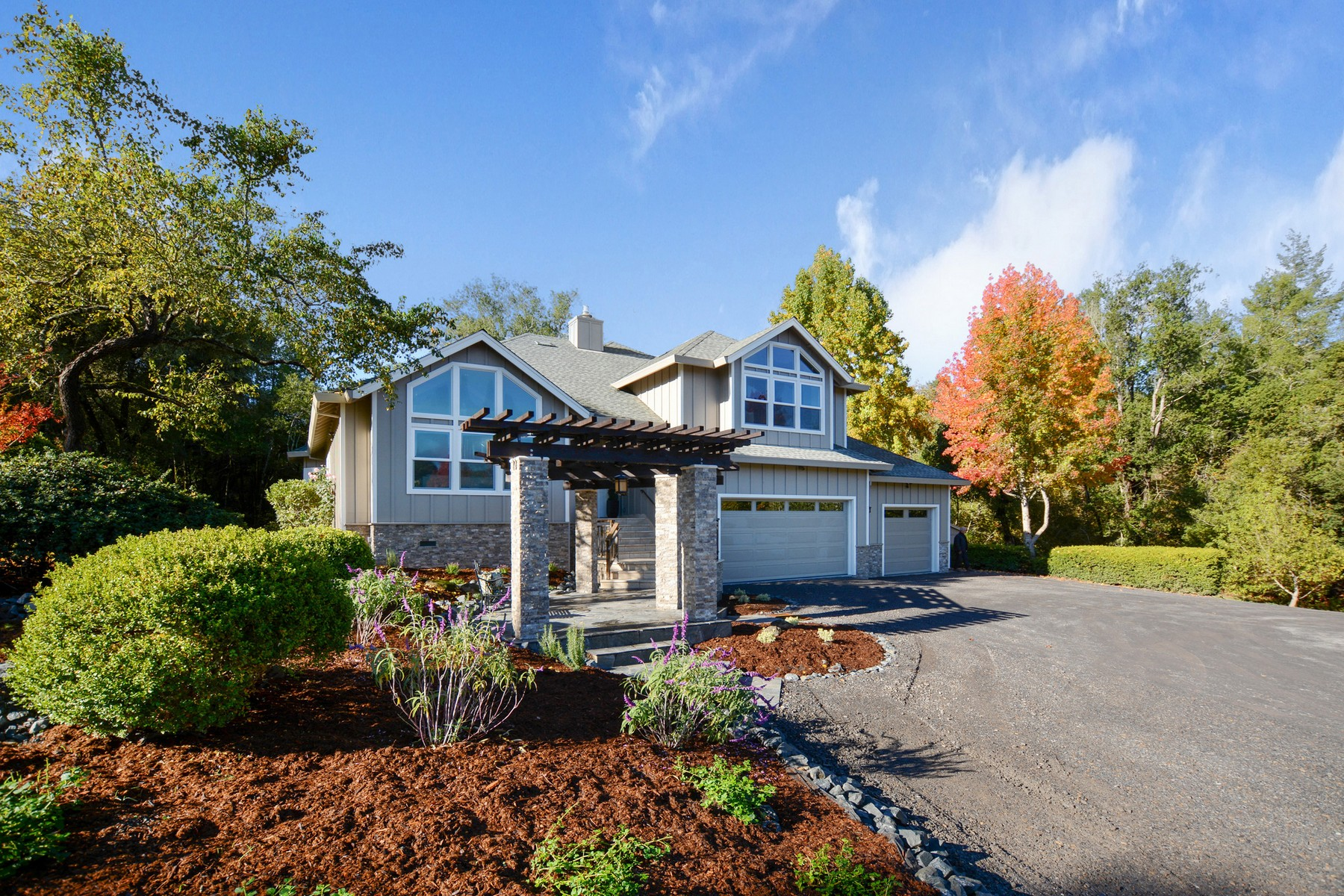 Частный односемейный дом для того Продажа на 2455 Laguna Road Santa Rosa, Калифорния, 95401 Соединенные Штаты