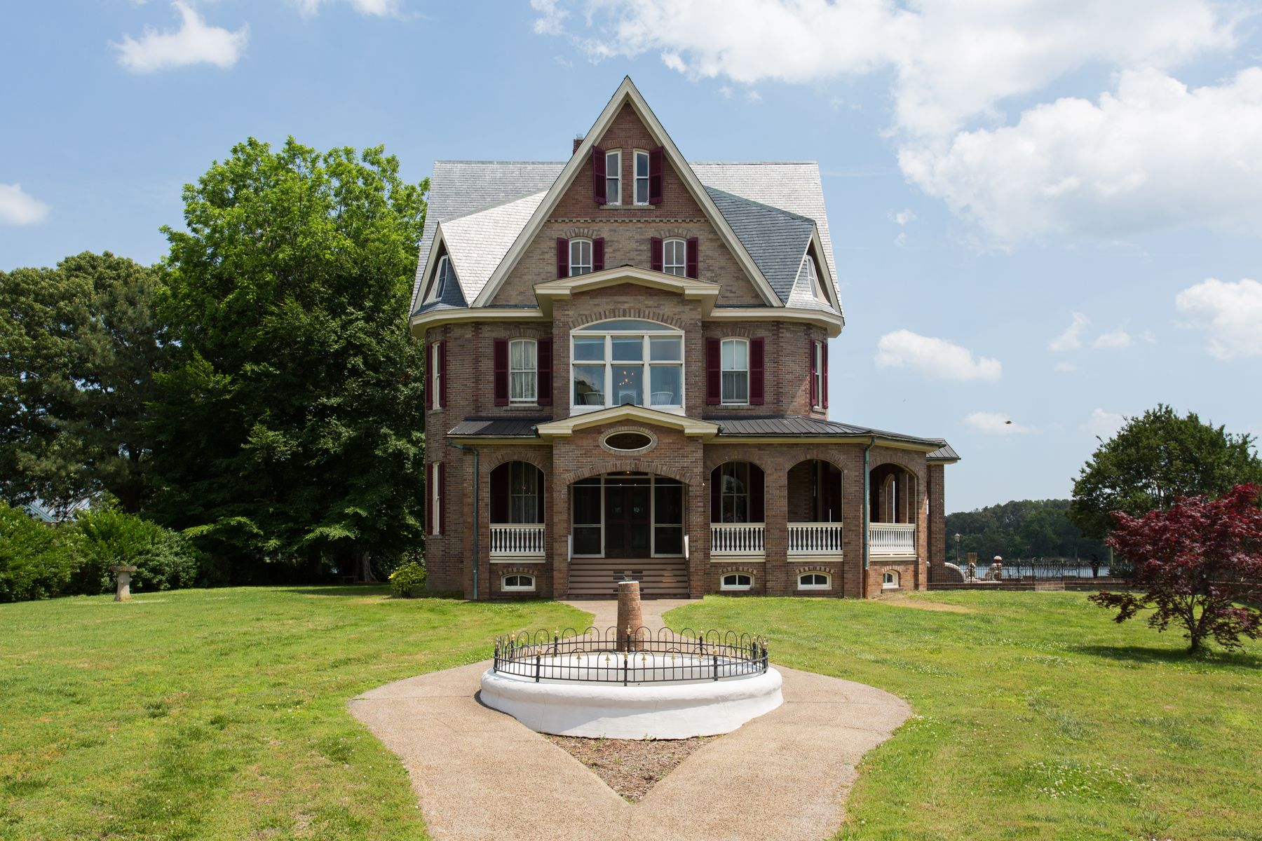 Single Family Homes for Sale at The Gables 859 Main Street, Reedville, Virginia 22539 United States
