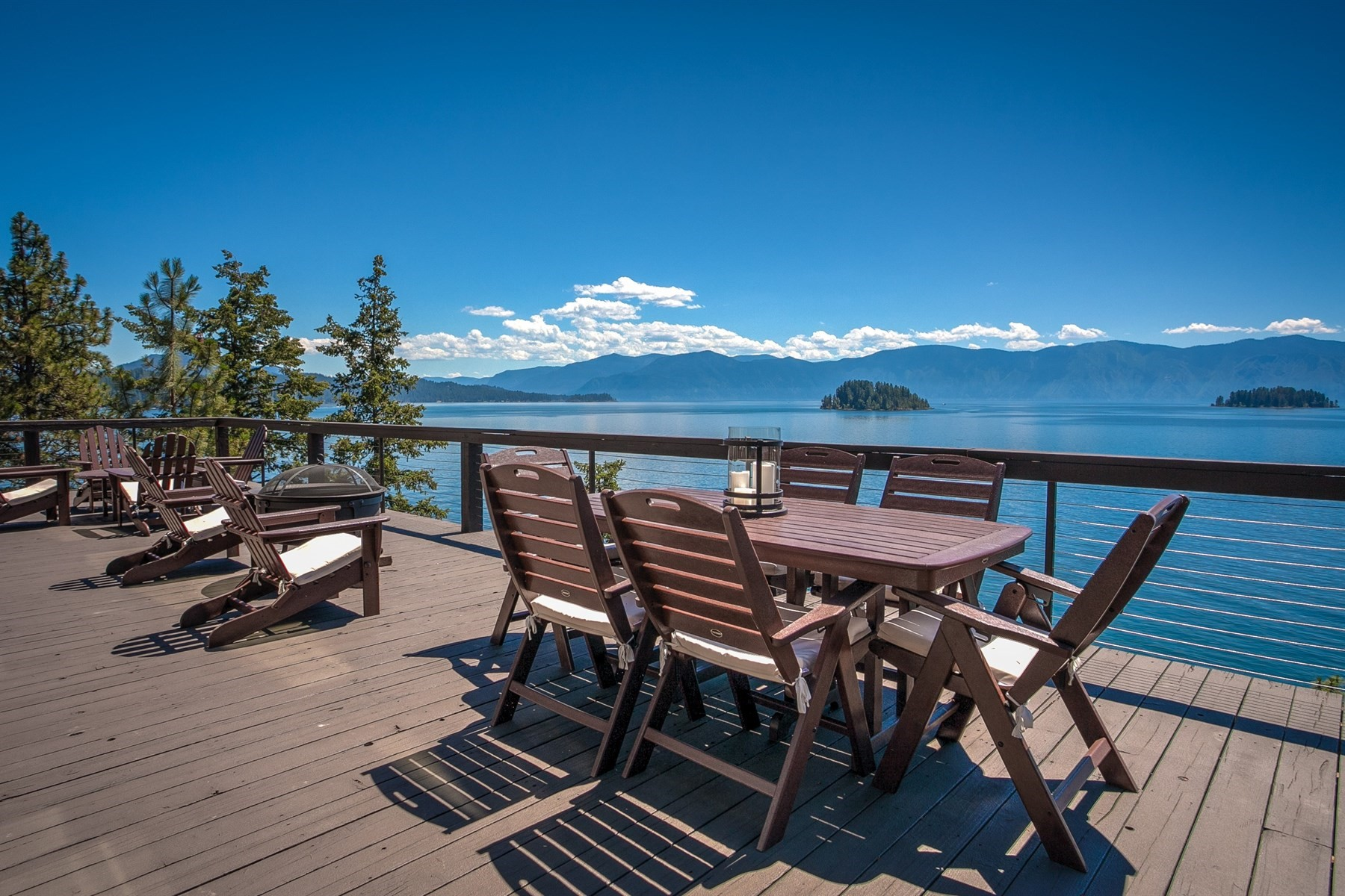 Single Family Home for Active at Exclusive Island Playcation 795 Warren Island Shore Hope, Idaho 83836 United States