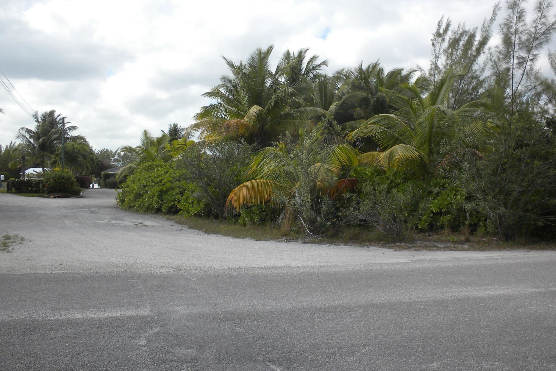 Land for Sale at Lot 2 BLK 174 Treasure Cay, Abaco Bahamas