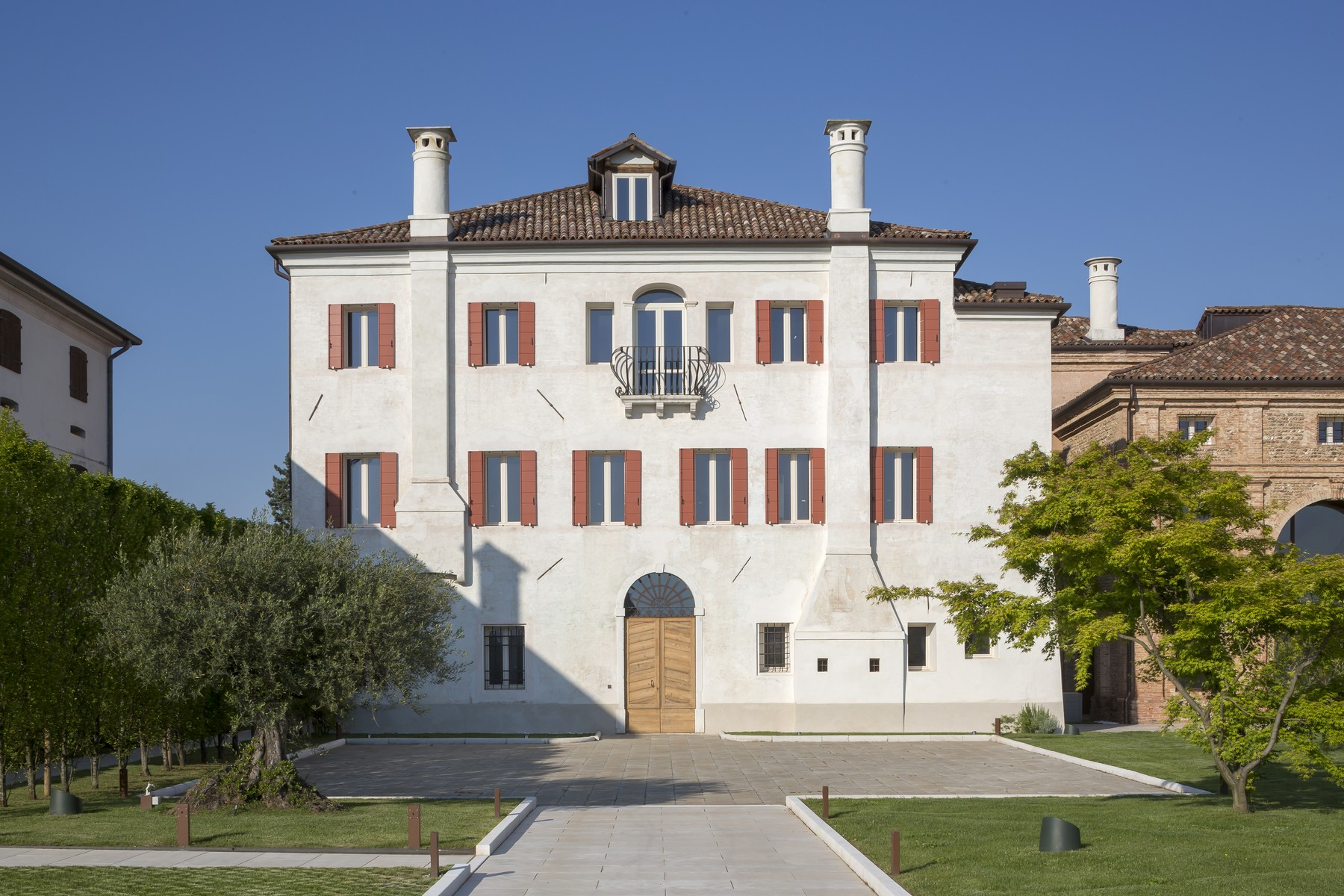 Additional photo for property listing at Exclusive historical property Via Cornarotta Other Treviso, Treviso 31040 Italy