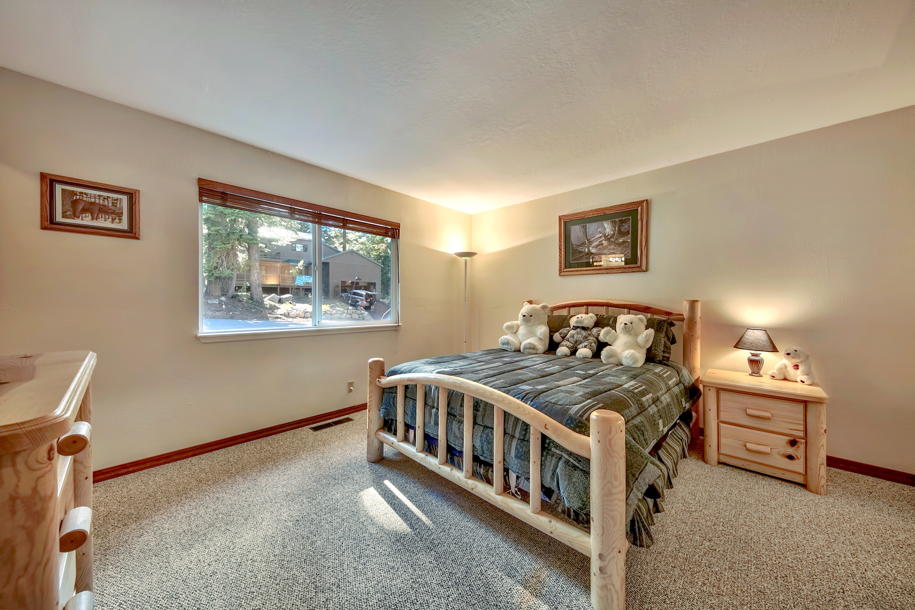Additional photo for property listing at 1383 Kings Vista Court, Tahoe Vista, CA 1383 Kings Vista Court Tahoe Vista, California 96148 United States