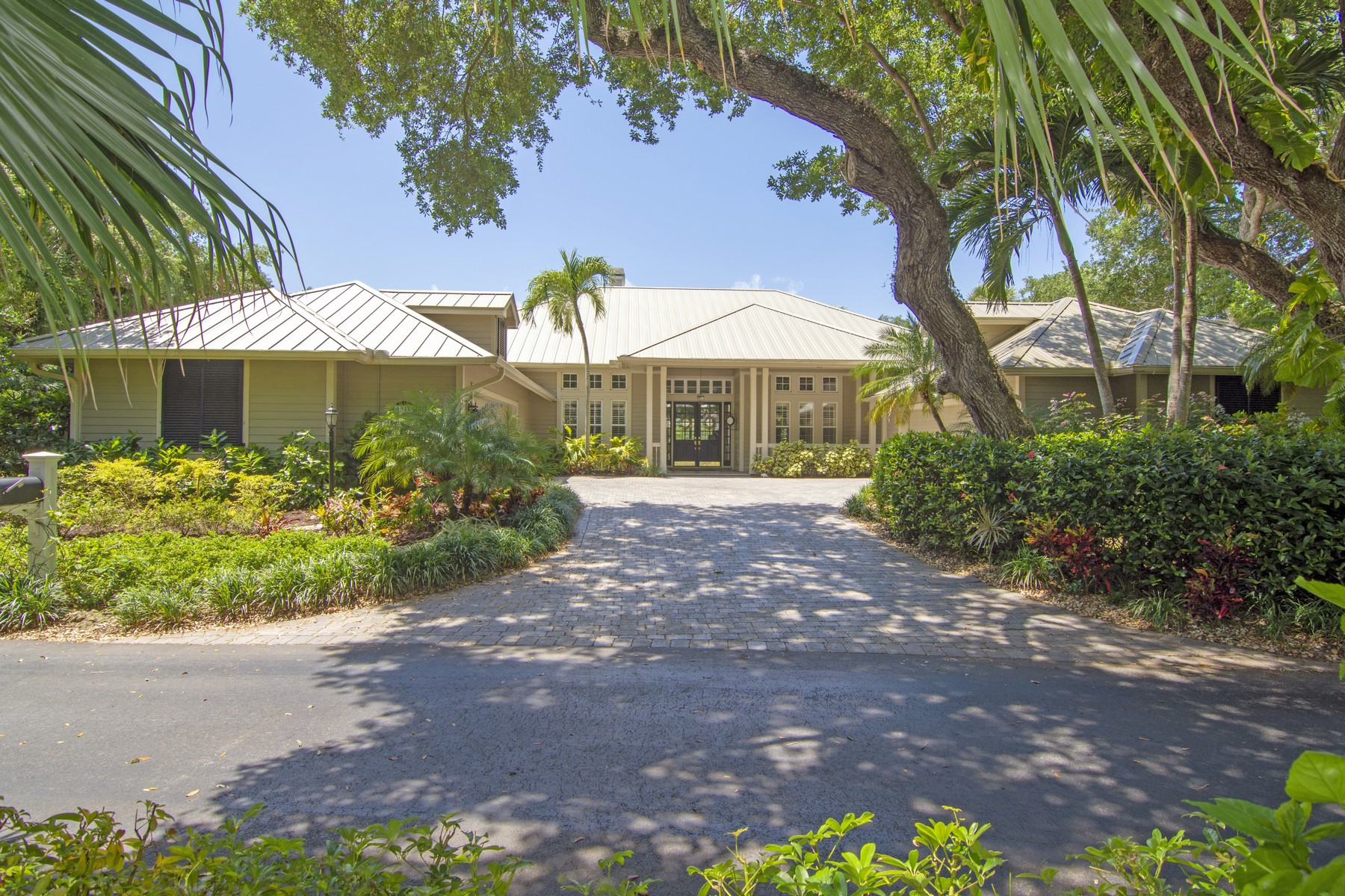 single family homes for Sale at Lakefront Beauty 1010 River Trail Vero Beach, Florida 32963 United States