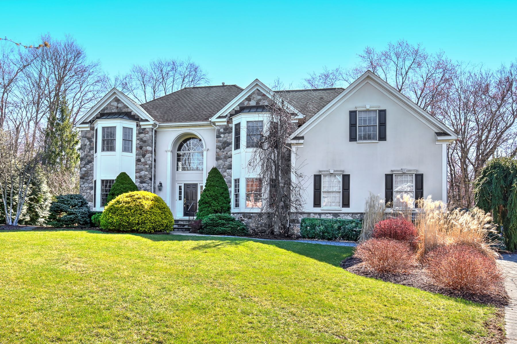 Single Family Homes por un Venta en Elegant Custom Colonial 24 Morrison Street Basking Ridge, Nueva Jersey 07920 Estados Unidos