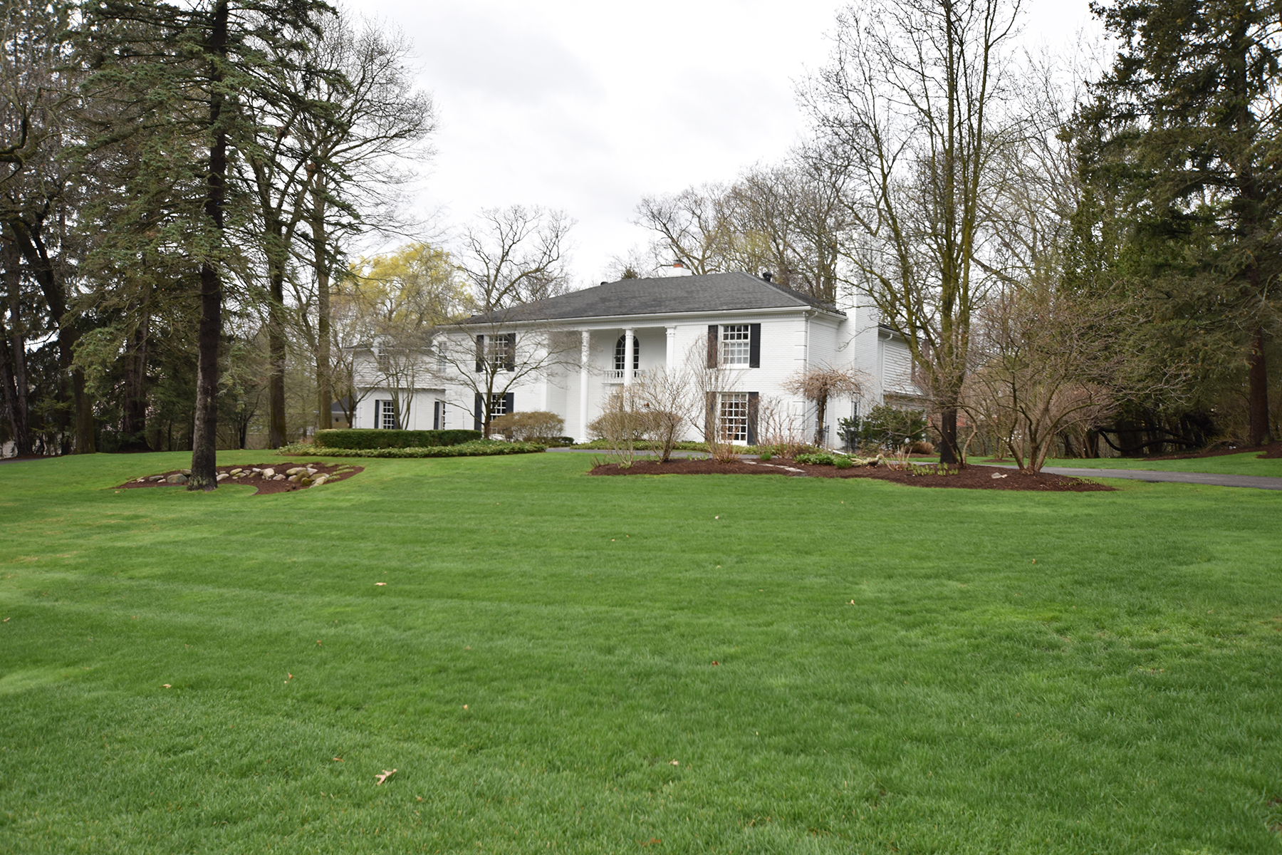 Single Family Homes for Sale at Bloomfield Hills 580 Haverhill Road Bloomfield Hills, Michigan 48304 United States