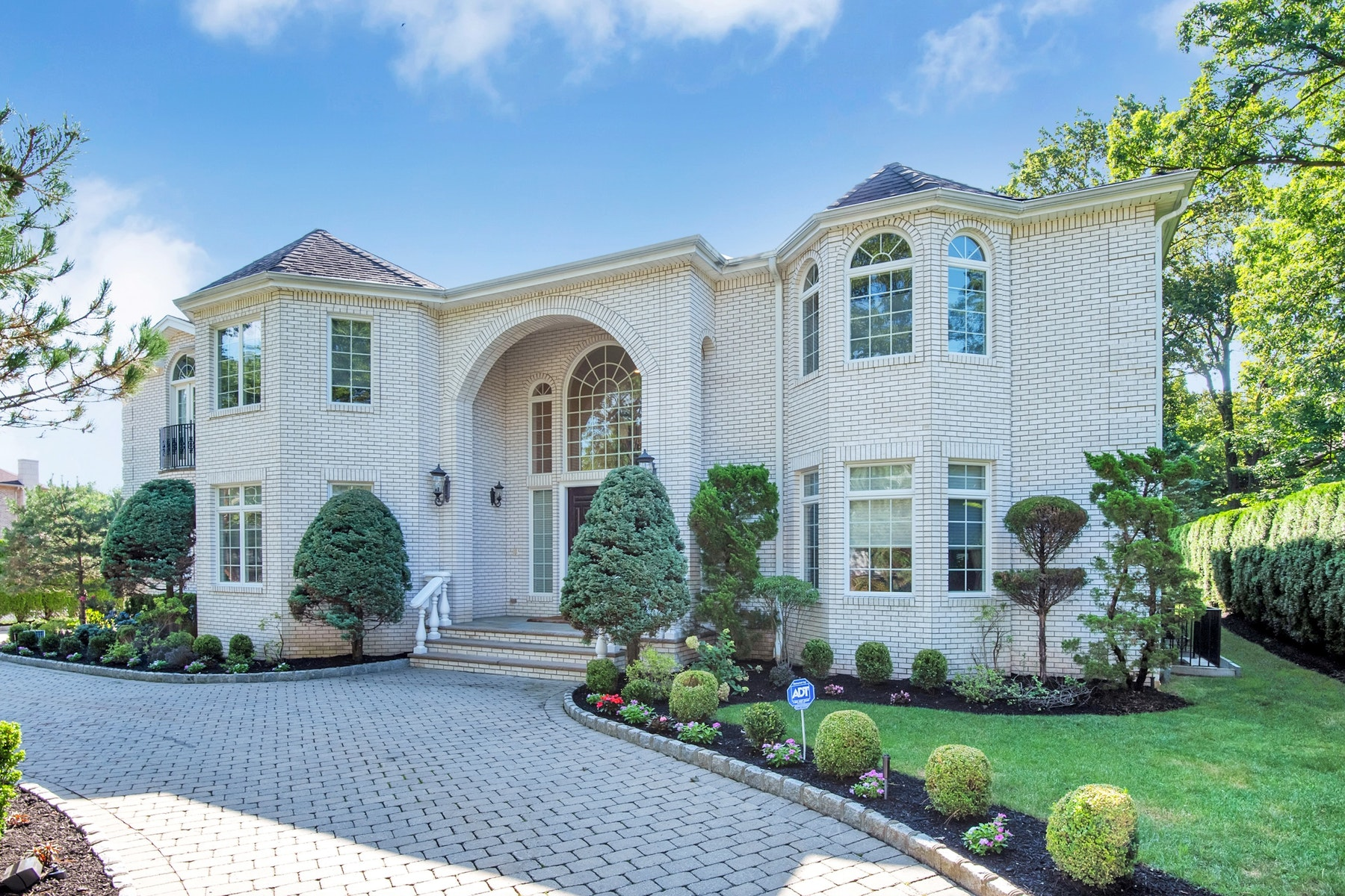 Other Residential Homes vì Bán tại Englewood Cliffs, New Jersey 07632 Hoa Kỳ