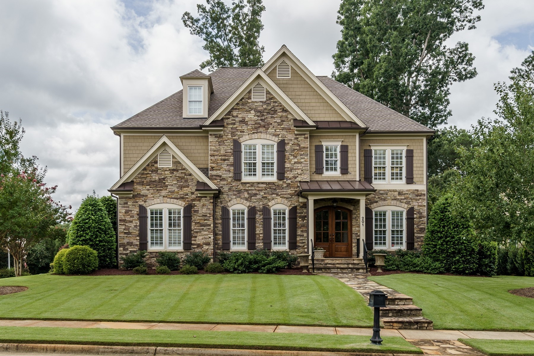 Single Family Homes for Sale at Exquisite Residence in Churchill Estates 201 Wedge Porr Court Apex, North Carolina 27539 United States