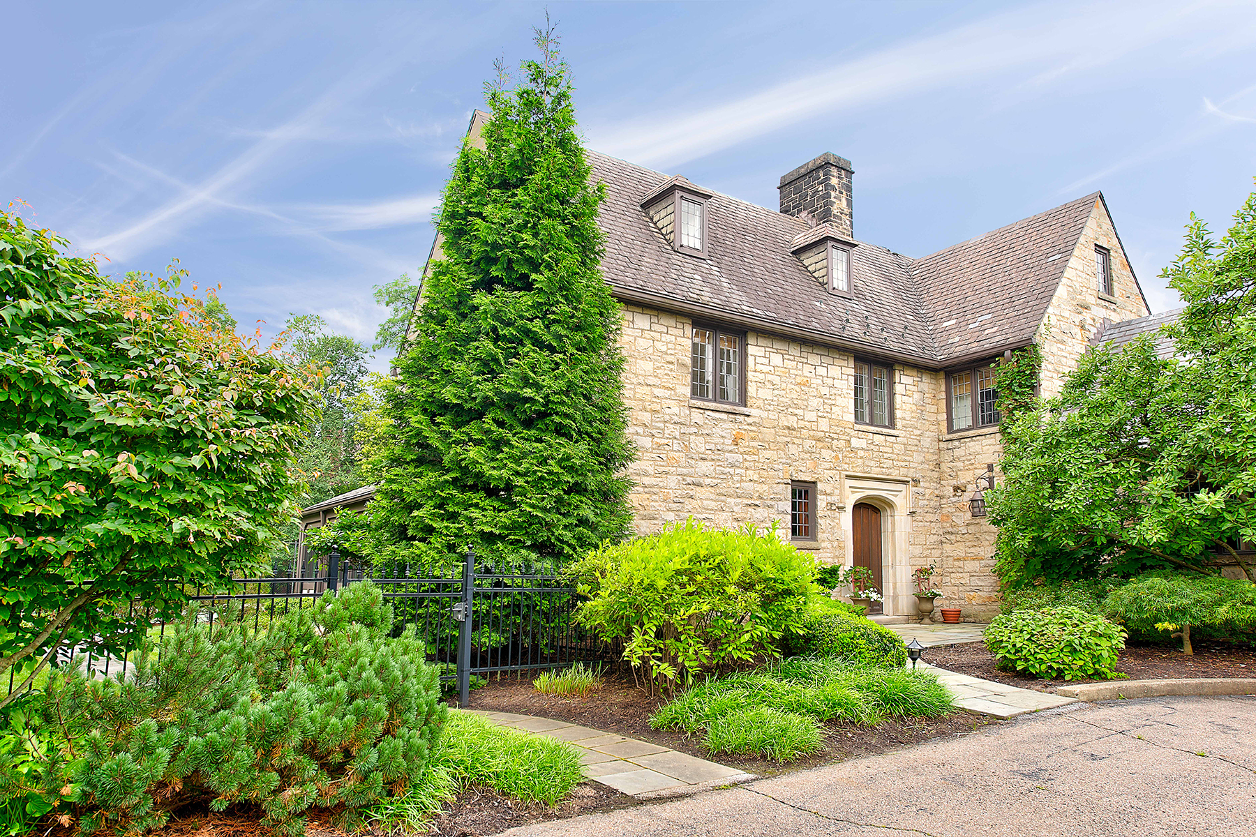 Single Family Homes for Sale at 1100 Shady Avenue, Pittsburgh PA 15232 Pittsburgh, Pennsylvania 15232 United States