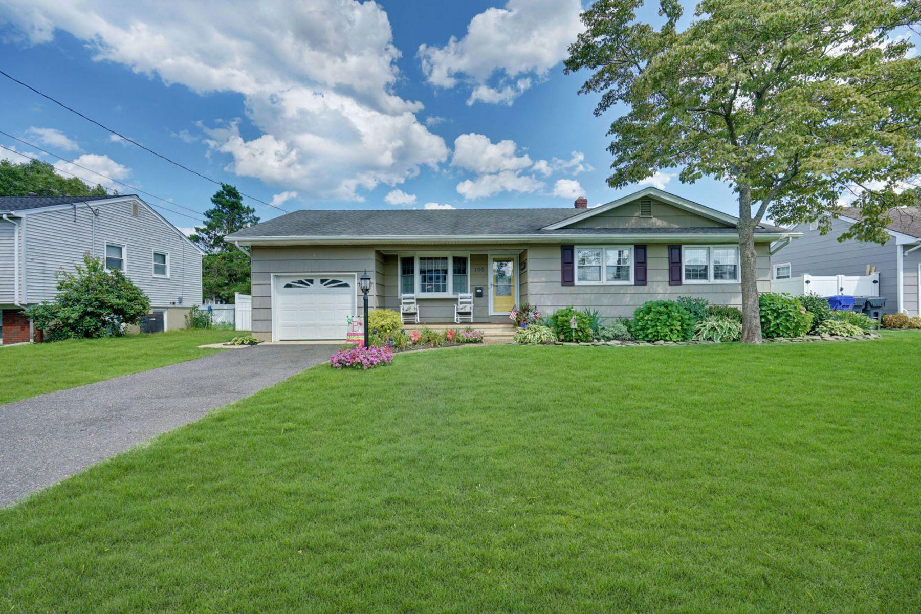 Single Family Homes por un Venta en Beautiful Ranch Located On Oversized Lot 105 Leone Drive Brick, Nueva Jersey 08724 Estados Unidos